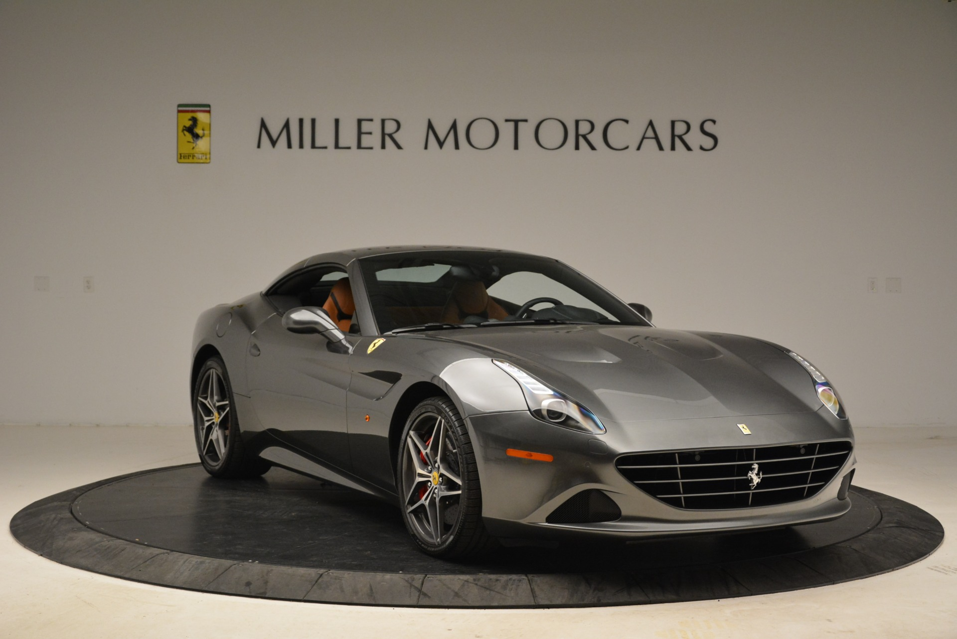 Used 2017 Ferrari California T Handling Speciale For Sale In Greenwich, CT 2054_p23