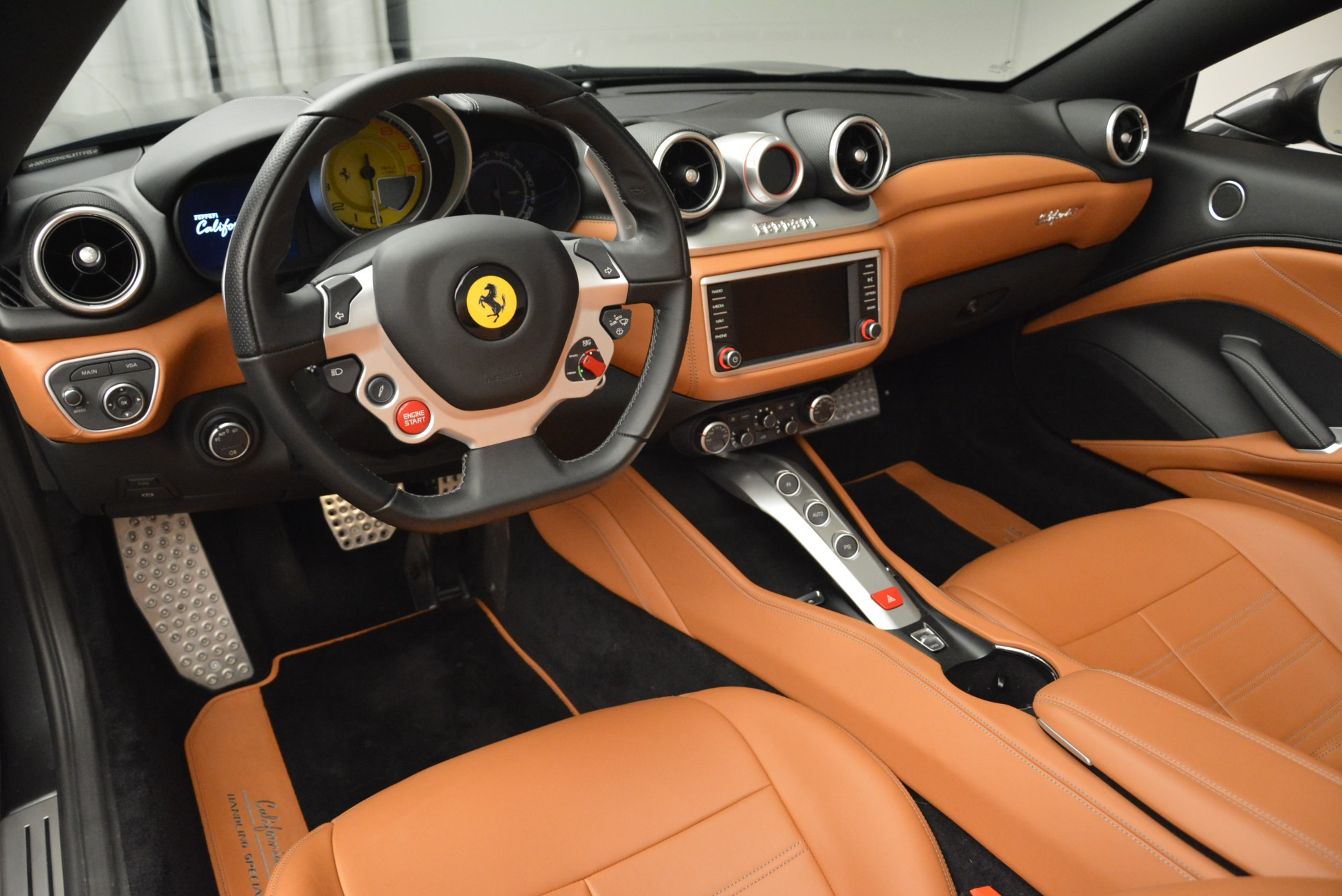 Used 2017 Ferrari California T Handling Speciale For Sale In Greenwich, CT 2054_p25