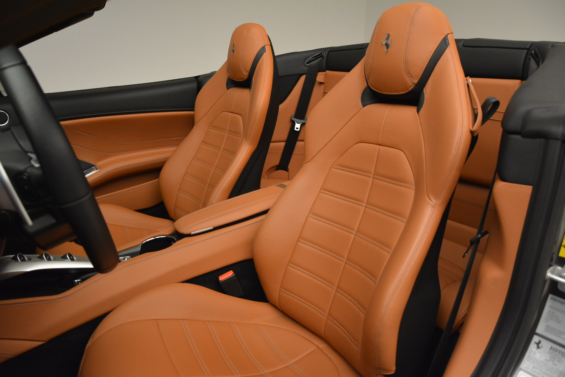 Used 2017 Ferrari California T Handling Speciale For Sale In Greenwich, CT 2054_p27