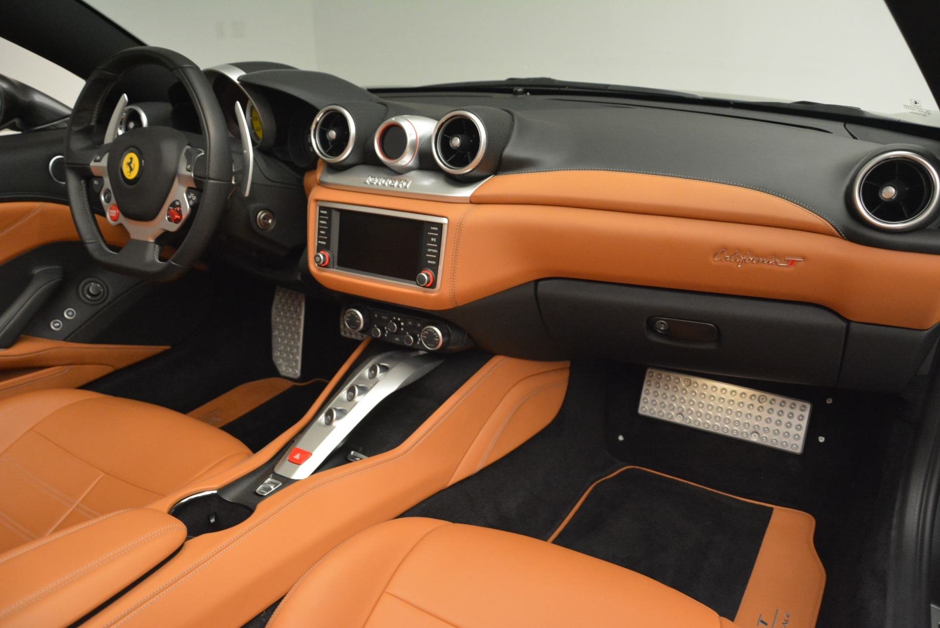 Used 2017 Ferrari California T Handling Speciale For Sale In Greenwich, CT 2054_p30