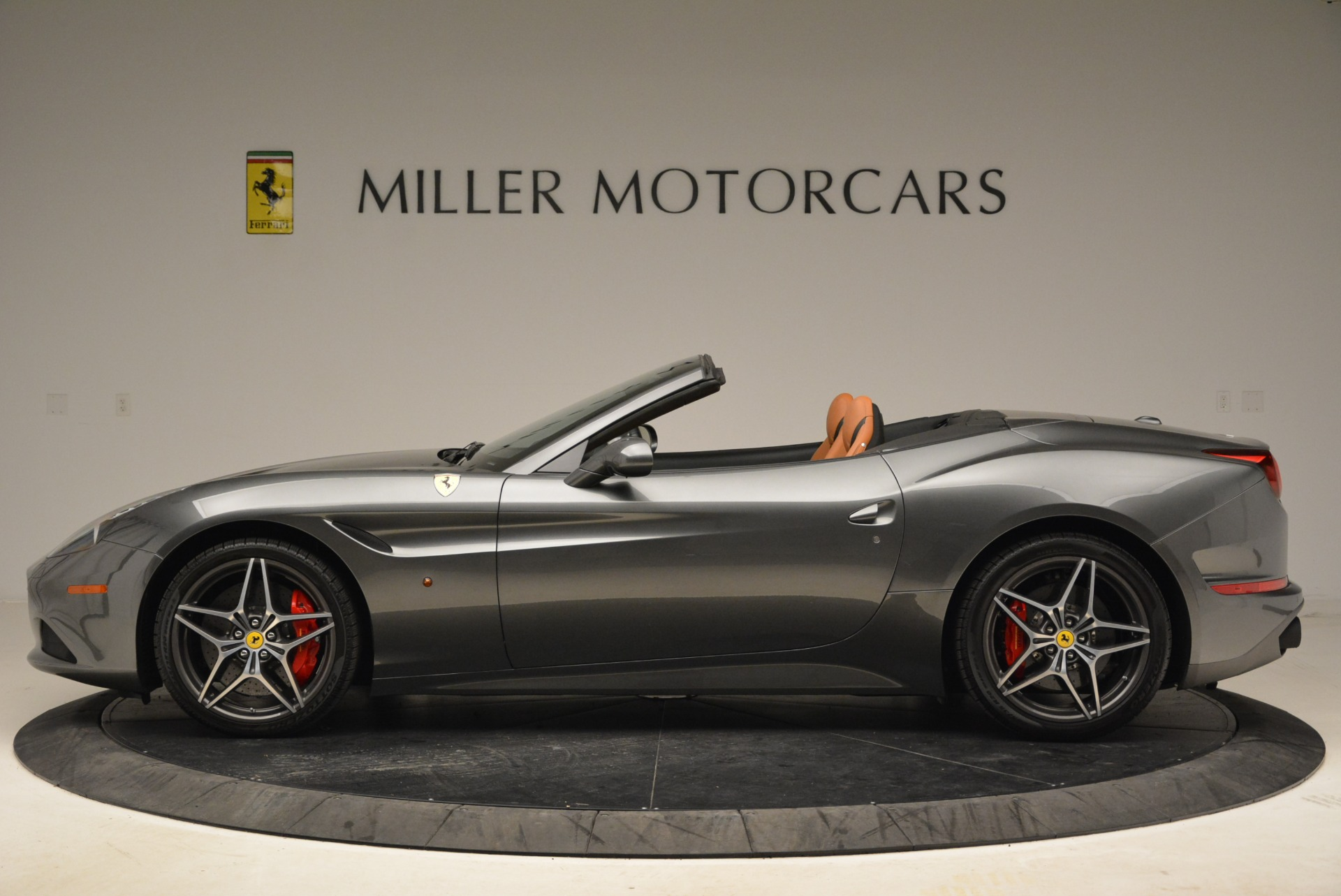 Used 2017 Ferrari California T Handling Speciale For Sale In Greenwich, CT 2054_p3