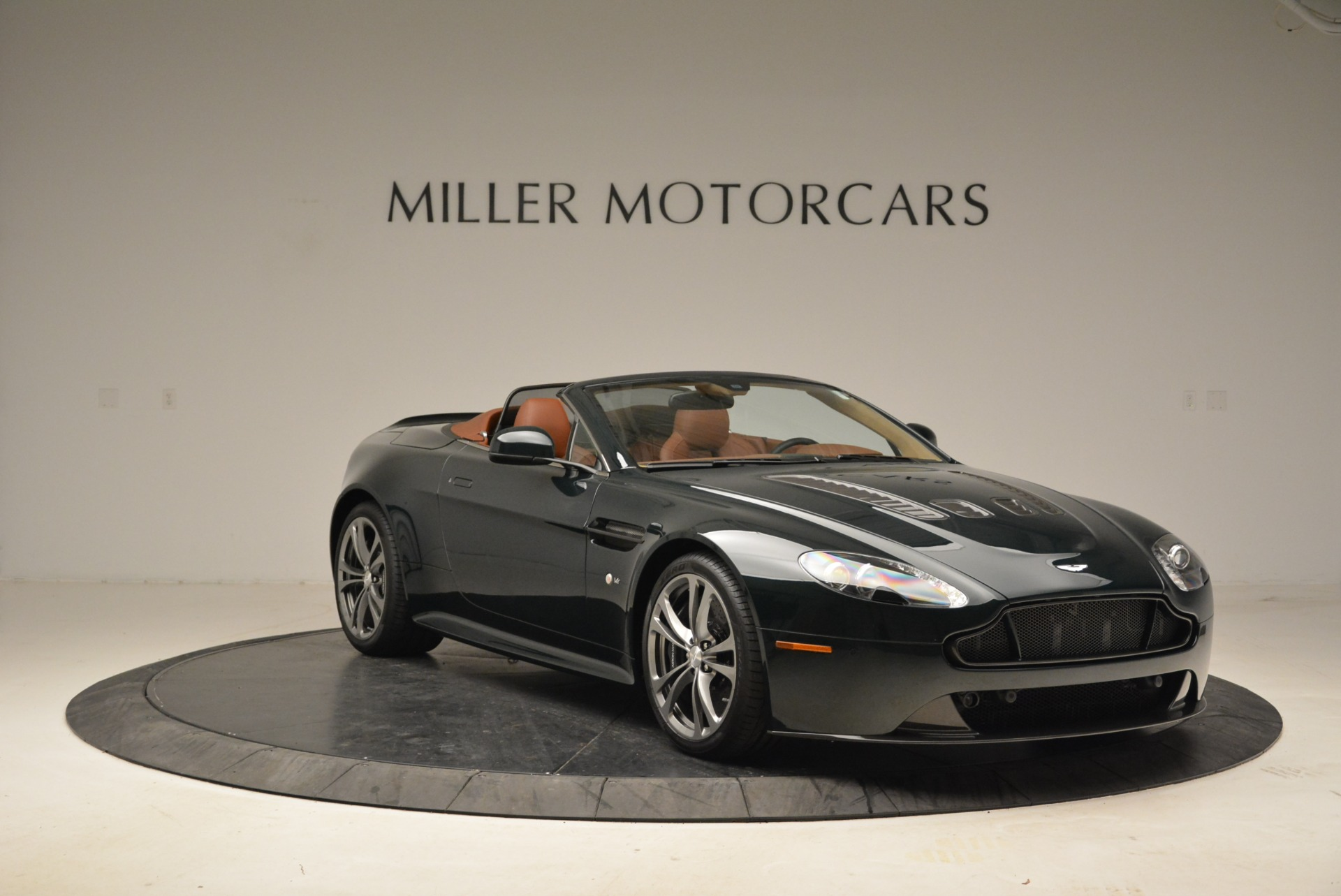 Used 2017 Aston Martin V12 Vantage S Roadster For Sale In Greenwich, CT 2055_p11