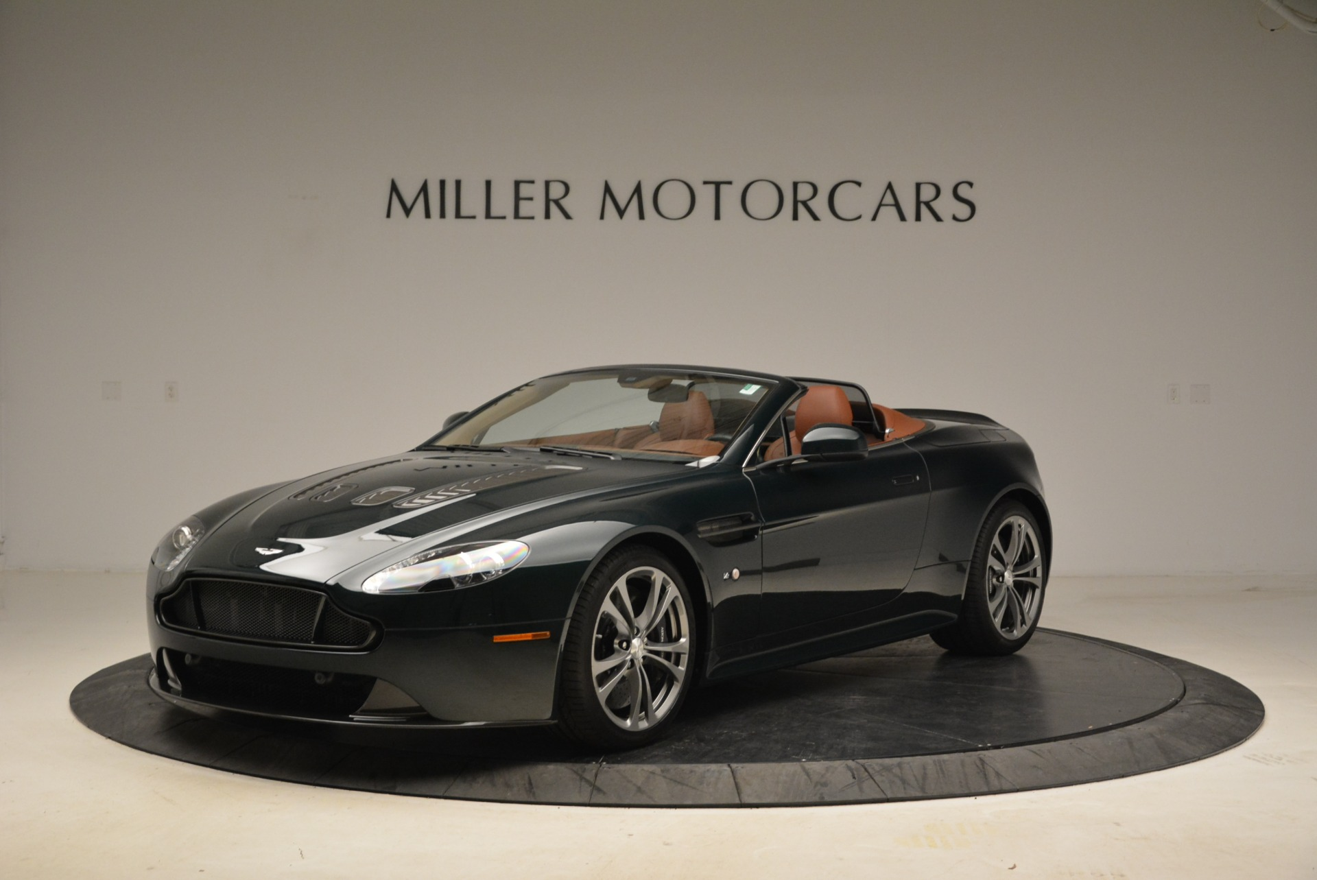 Used 2017 Aston Martin V12 Vantage S Roadster For Sale In Greenwich, CT 2055_p2