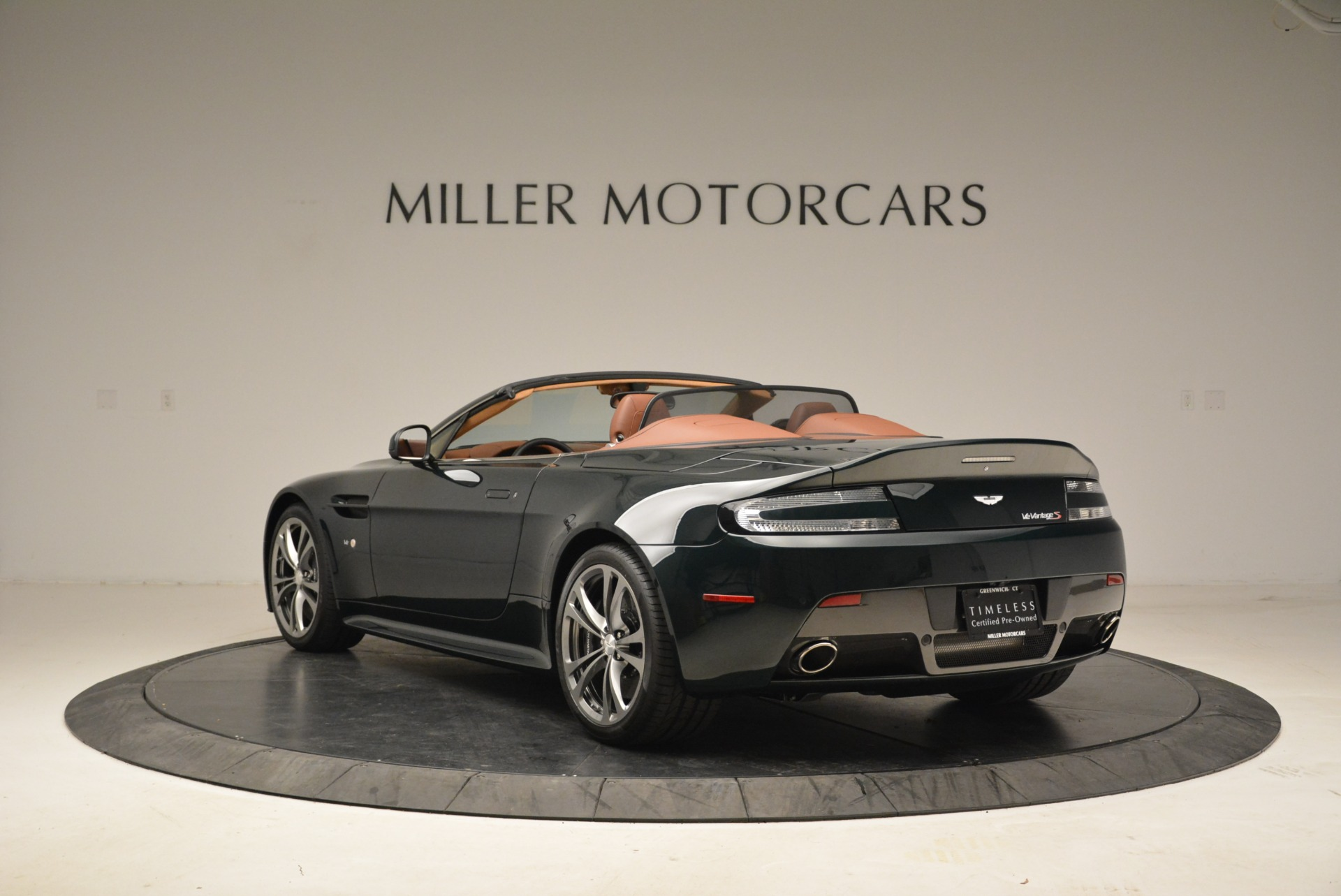 Used 2017 Aston Martin V12 Vantage S Roadster For Sale In Greenwich, CT 2055_p5