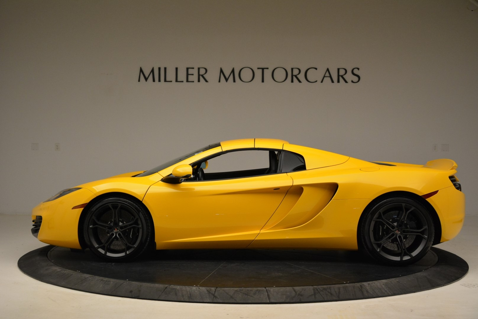 Used 2014 McLaren MP4-12C Spider For Sale In Greenwich, CT 2057_p16