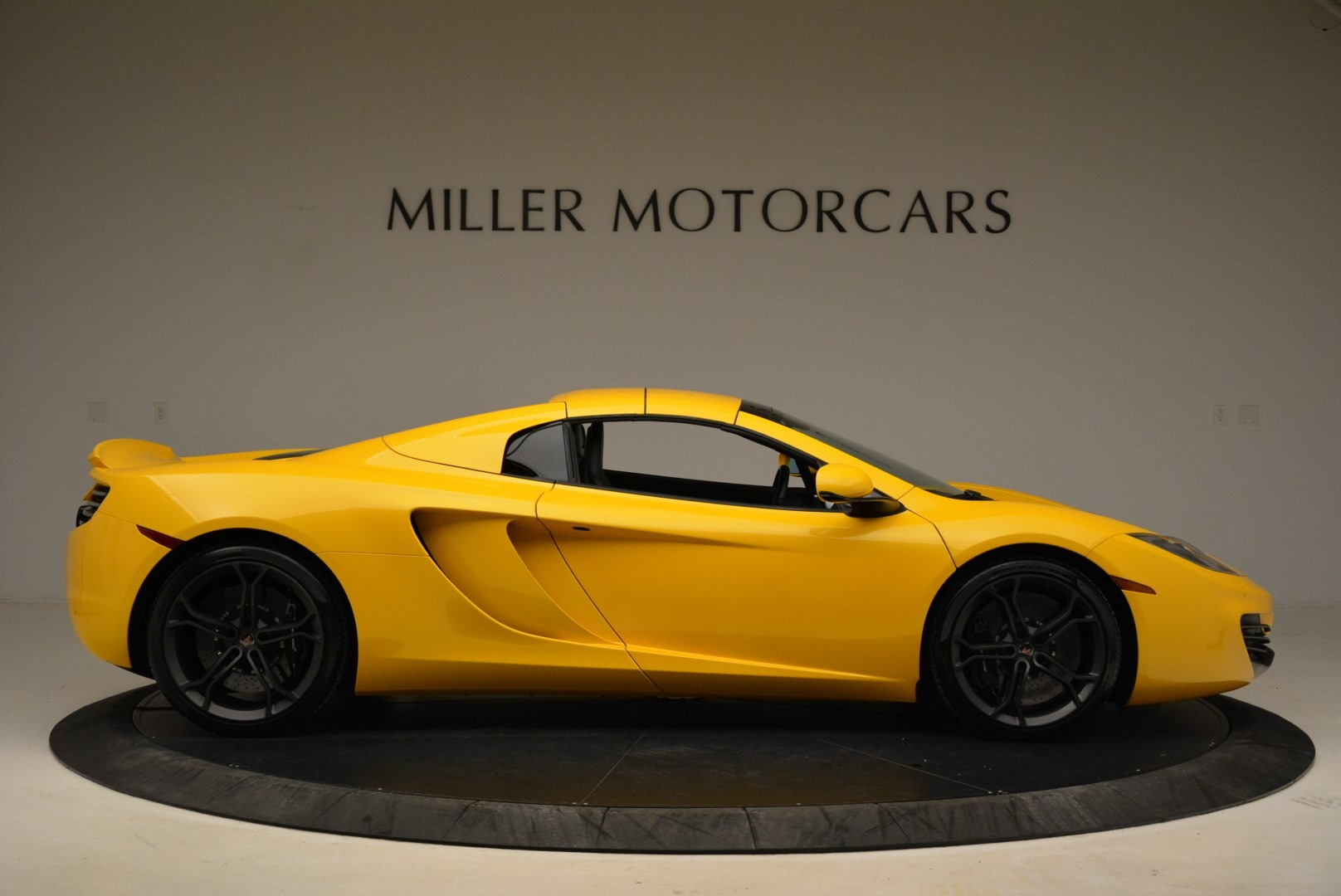Used 2014 McLaren MP4-12C Spider For Sale In Greenwich, CT 2057_p20