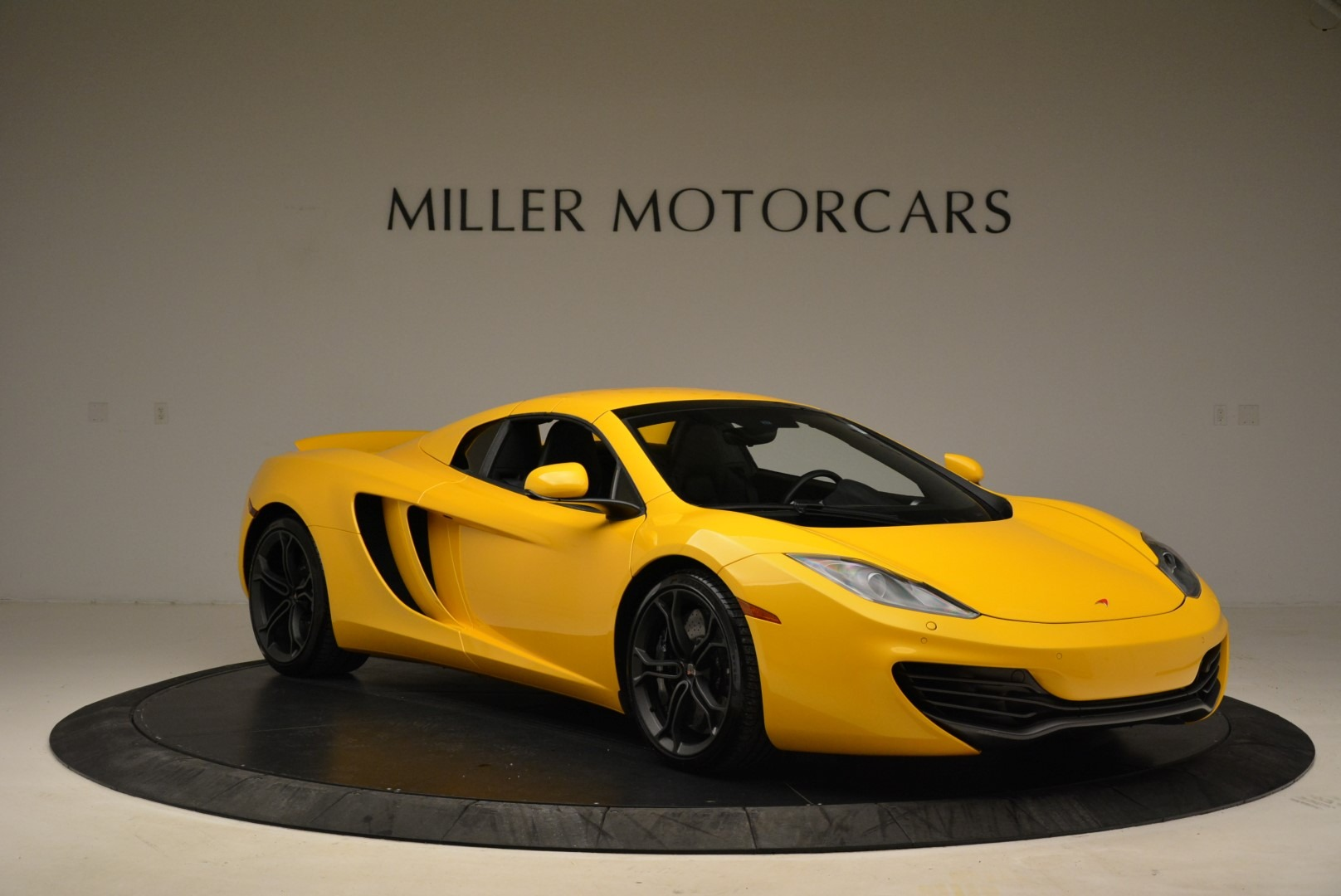 Used 2014 McLaren MP4-12C Spider For Sale In Greenwich, CT 2057_p21