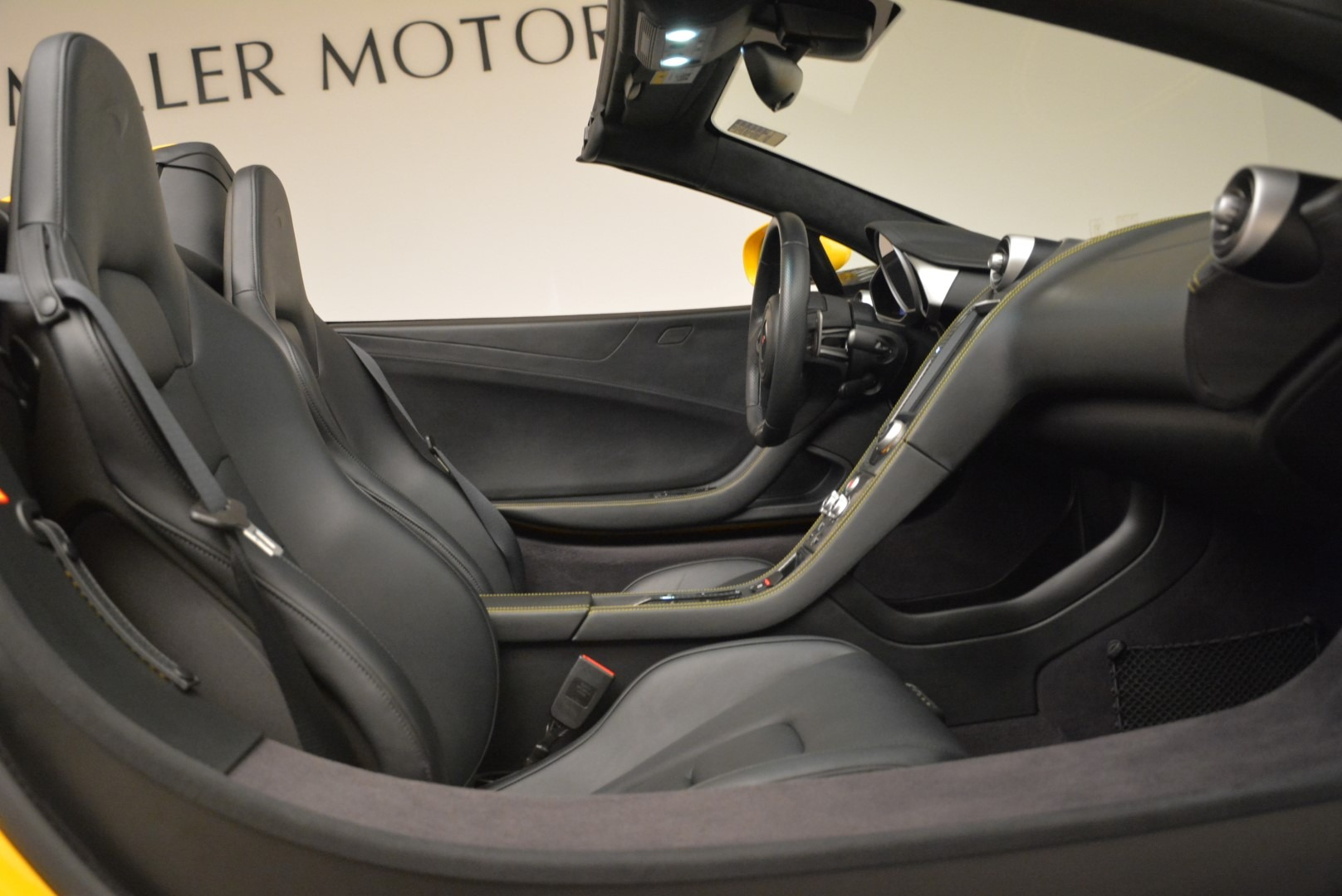 Used 2014 McLaren MP4-12C Spider For Sale In Greenwich, CT 2057_p30