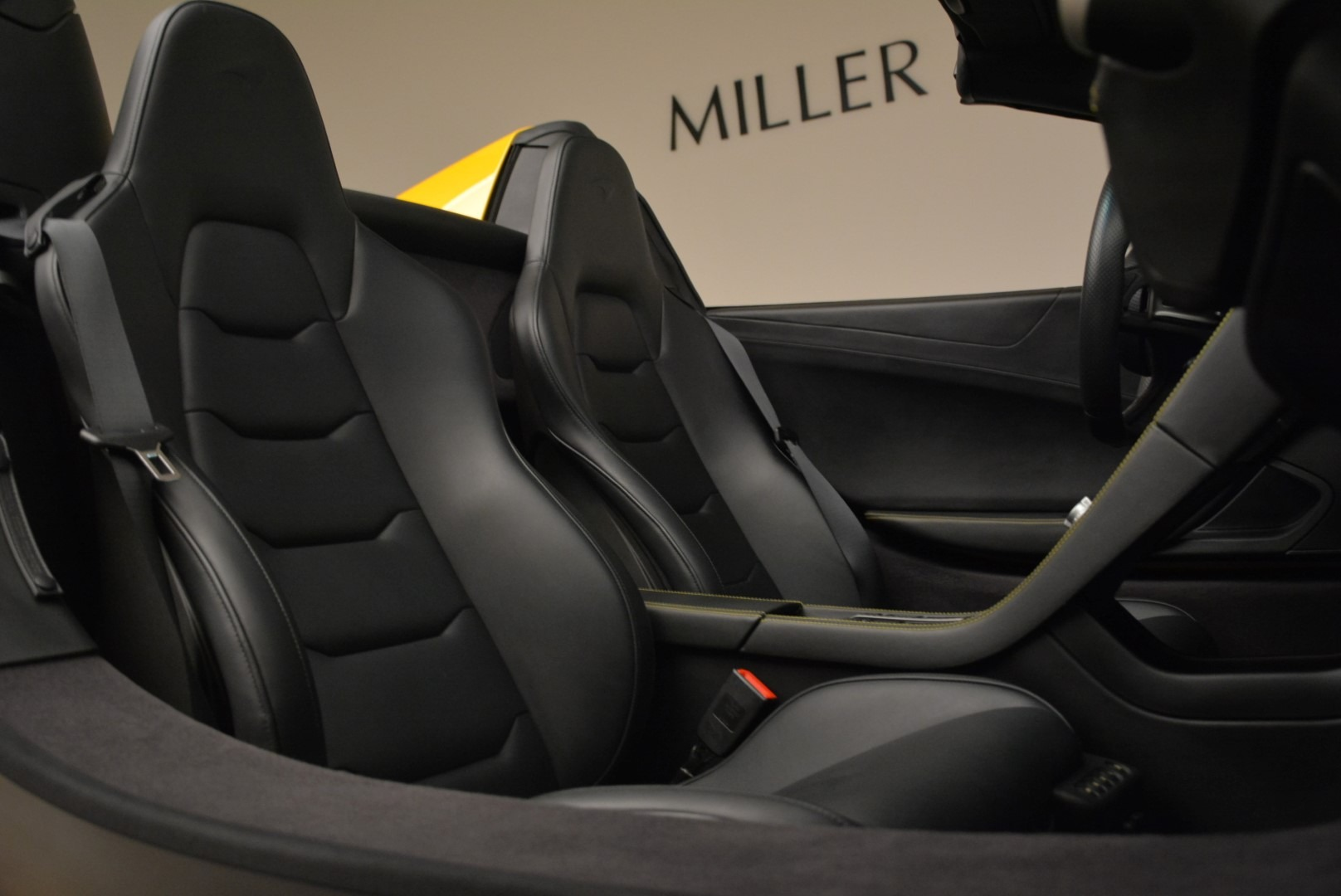 Used 2014 McLaren MP4-12C Spider For Sale In Greenwich, CT 2057_p31