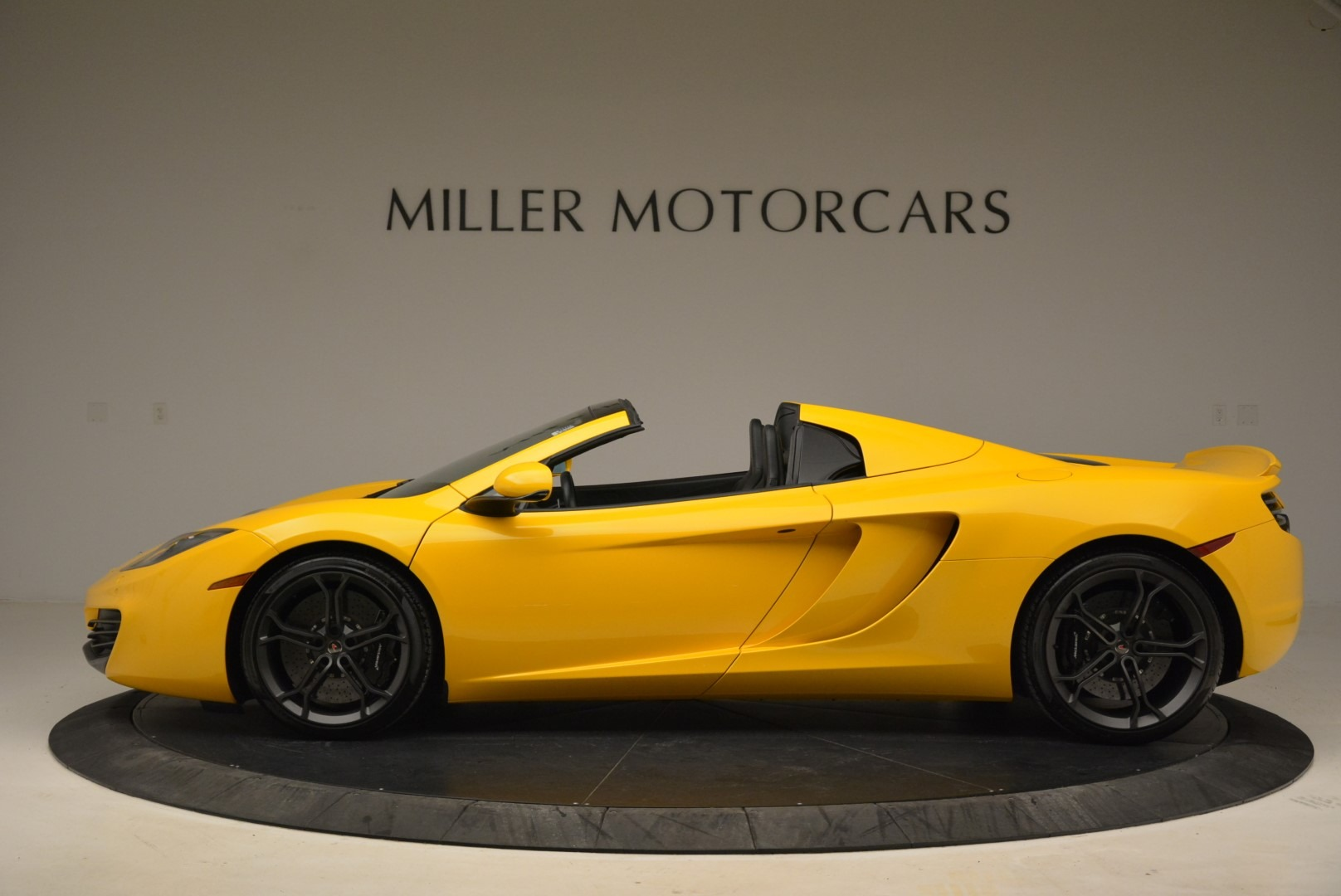 Used 2014 McLaren MP4-12C Spider For Sale In Greenwich, CT 2057_p3