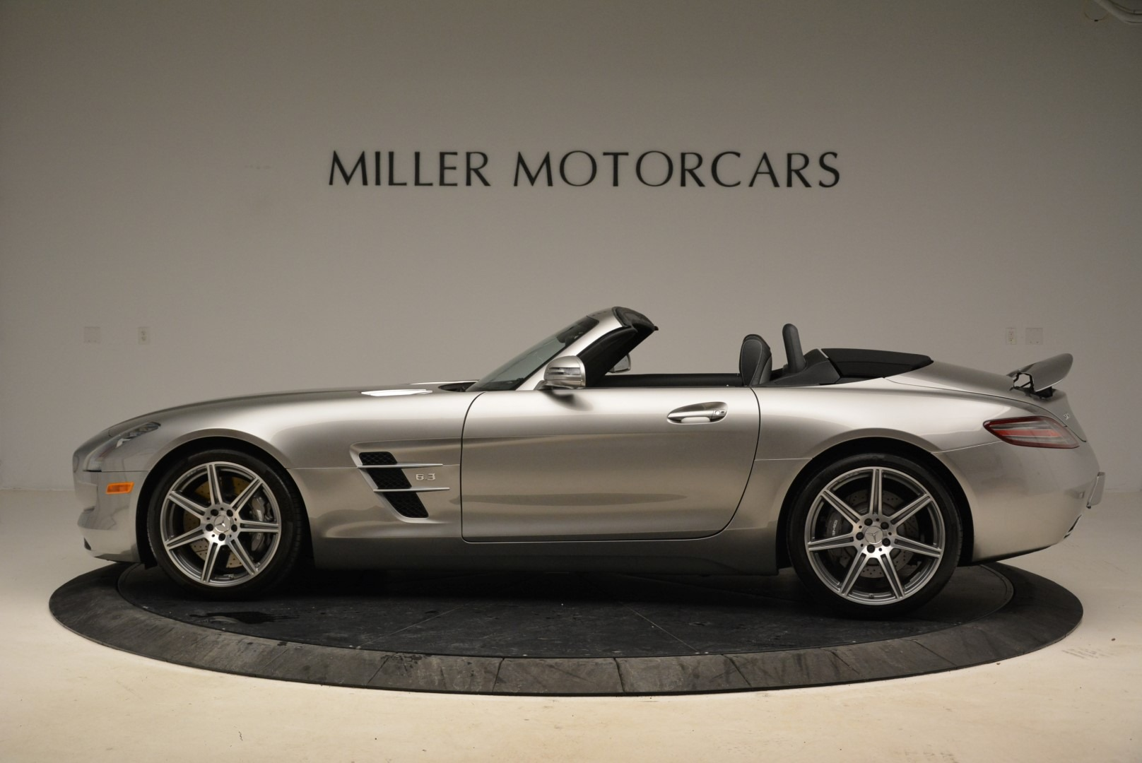 Used 2012 Mercedes-Benz SLS AMG  For Sale In Greenwich, CT 2068_p3