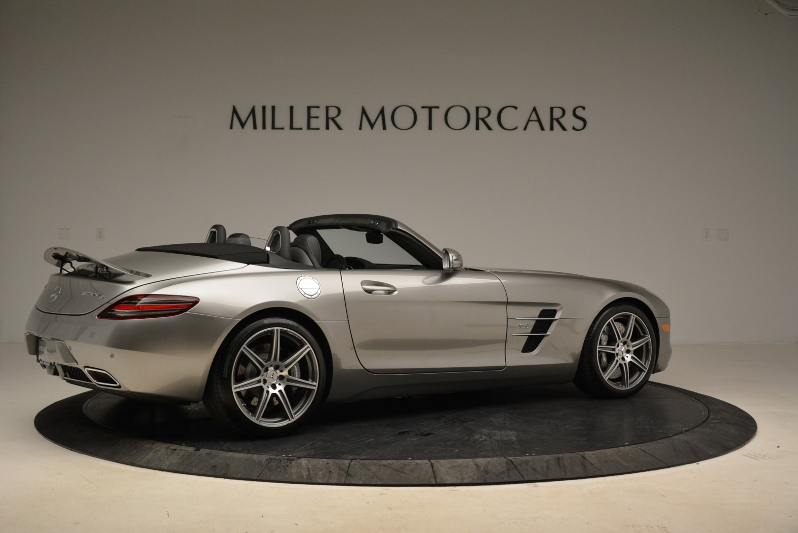 Used 2012 Mercedes-Benz SLS AMG  For Sale In Greenwich, CT 2068_p8