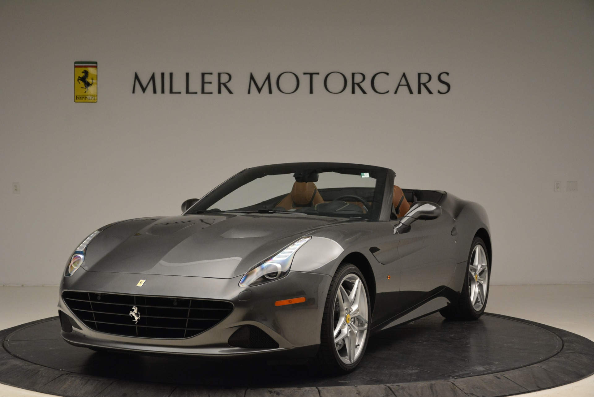 Used 2016 Ferrari California T  For Sale In Greenwich, CT 2069_main