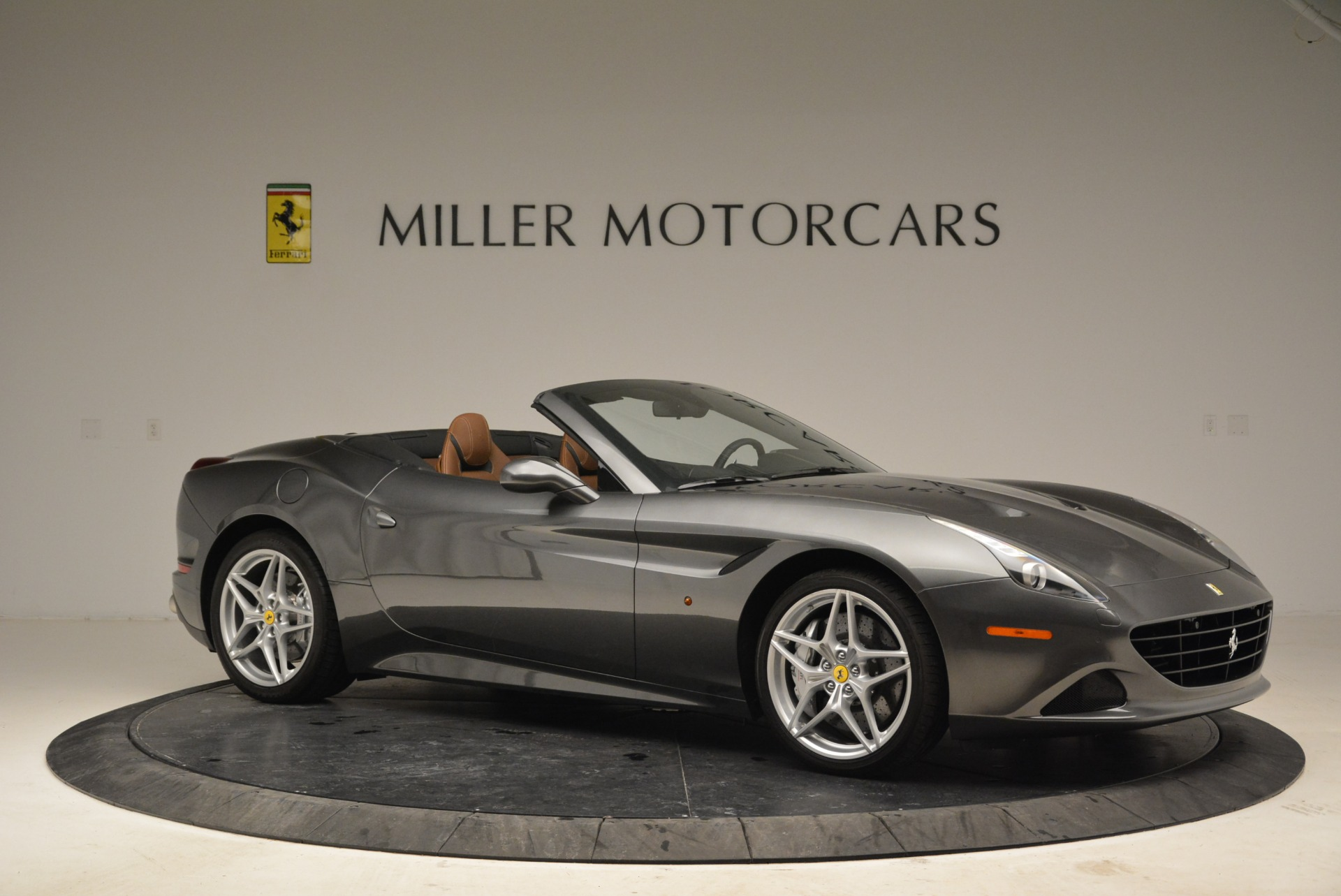 Used 2016 Ferrari California T  For Sale In Greenwich, CT 2069_p10