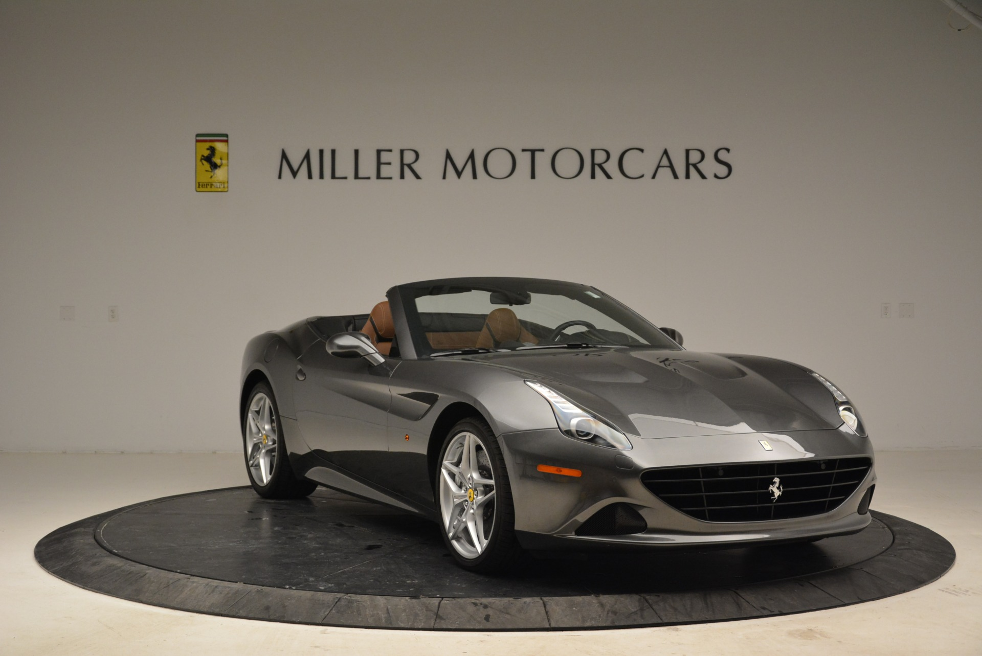 Used 2016 Ferrari California T  For Sale In Greenwich, CT 2069_p11