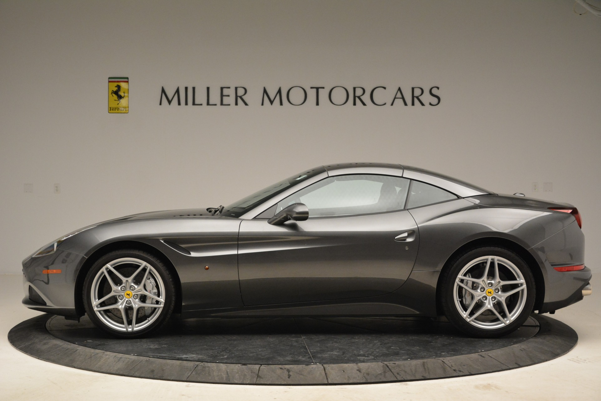 Used 2016 Ferrari California T  For Sale In Greenwich, CT 2069_p15