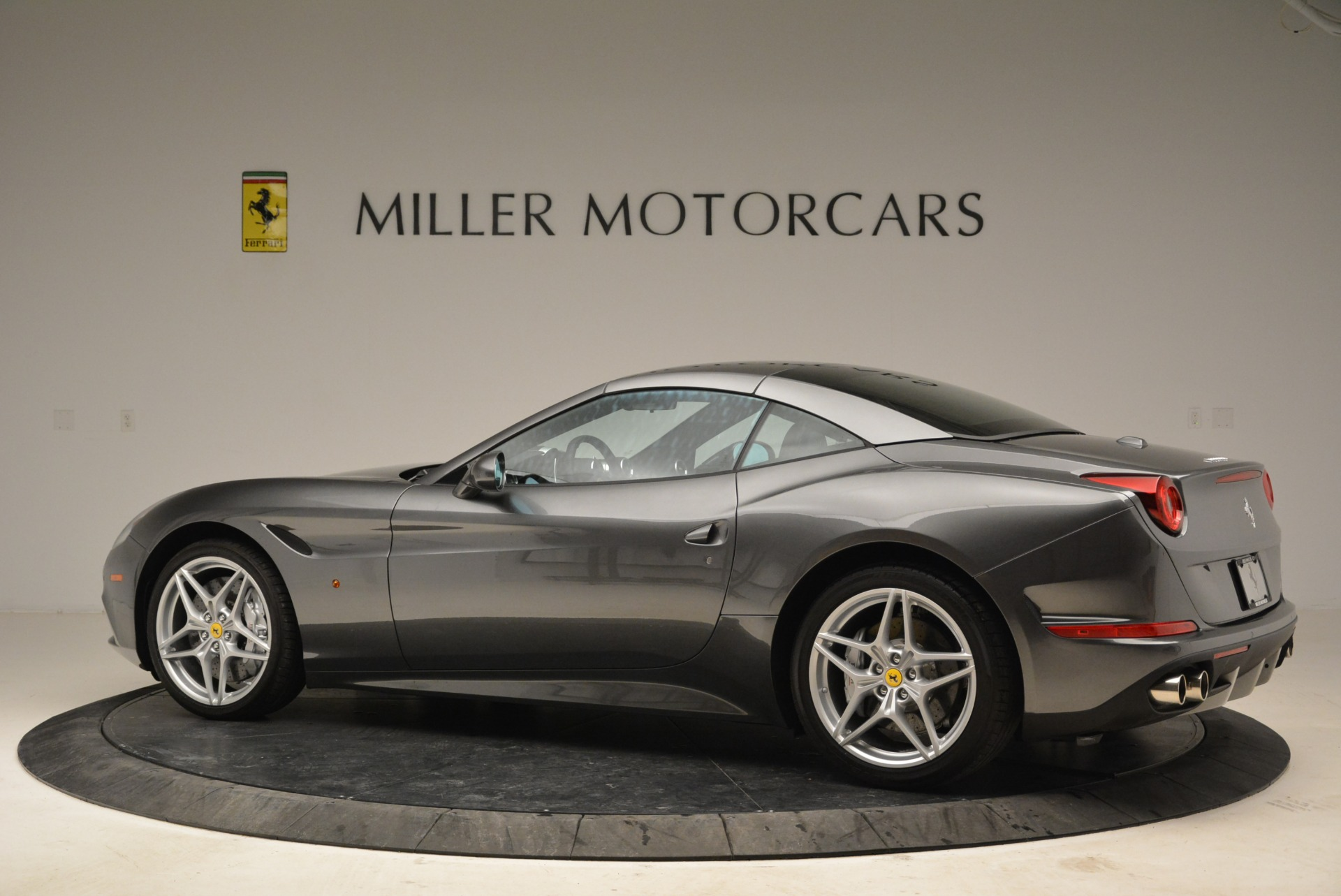Used 2016 Ferrari California T  For Sale In Greenwich, CT 2069_p16