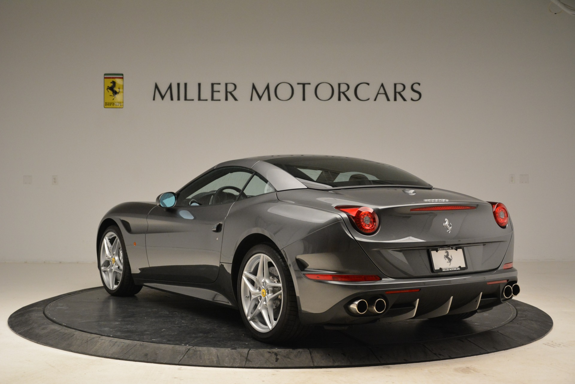 Used 2016 Ferrari California T  For Sale In Greenwich, CT 2069_p17