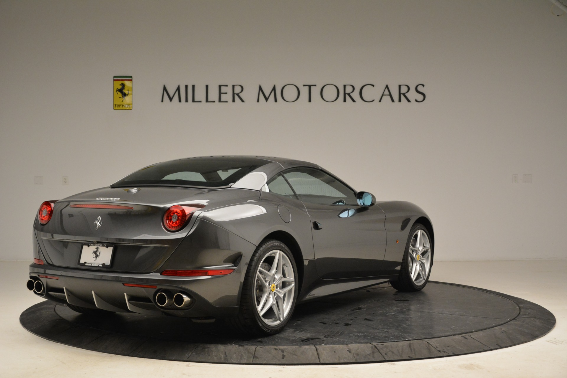 Used 2016 Ferrari California T  For Sale In Greenwich, CT 2069_p19