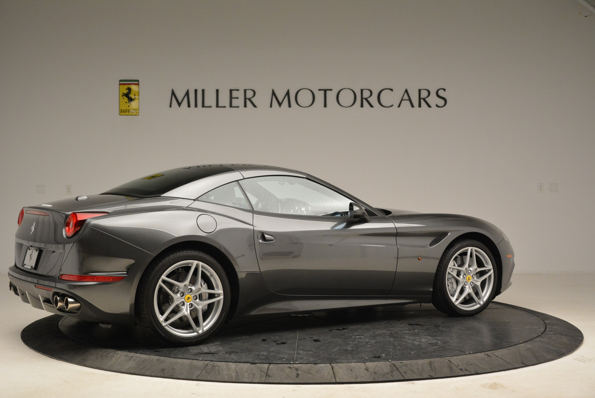 Used 2016 Ferrari California T  For Sale In Greenwich, CT 2069_p20