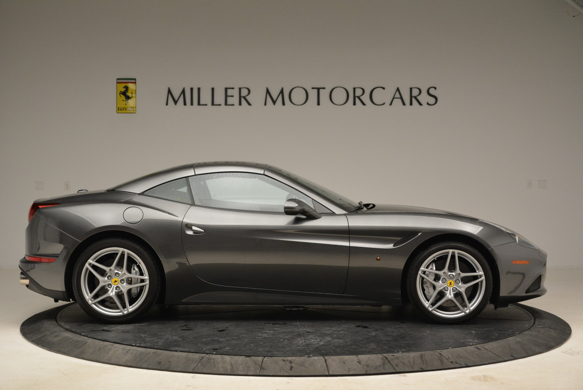 Used 2016 Ferrari California T  For Sale In Greenwich, CT 2069_p21