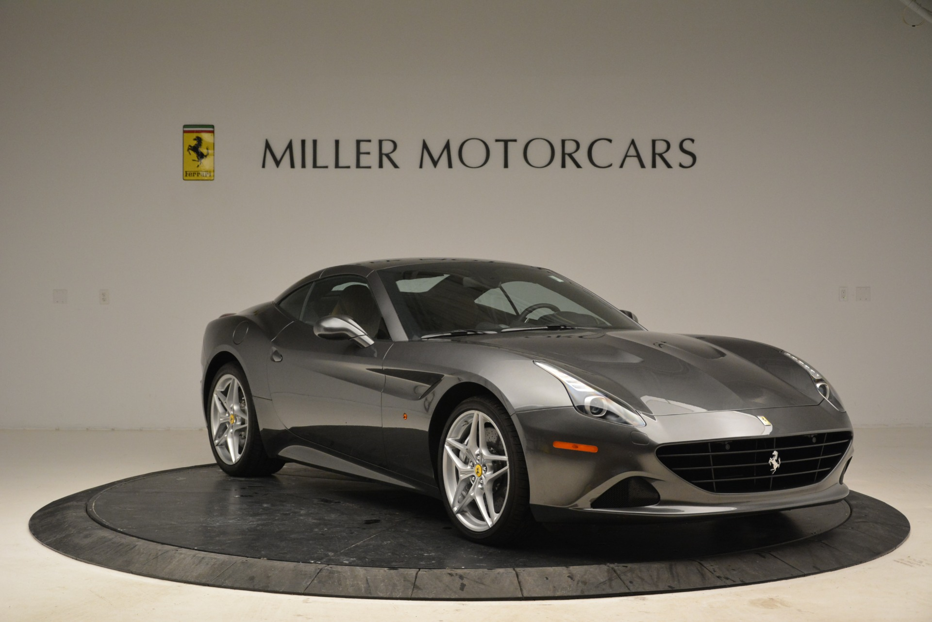 Used 2016 Ferrari California T  For Sale In Greenwich, CT 2069_p23