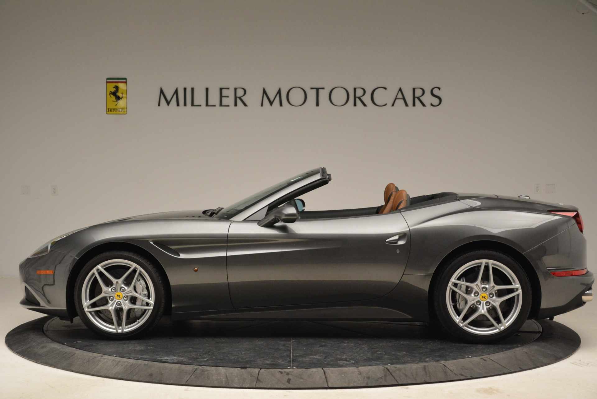Used 2016 Ferrari California T  For Sale In Greenwich, CT 2069_p3