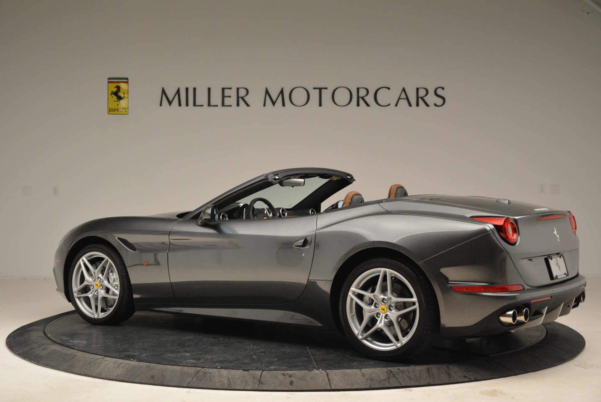 Used 2016 Ferrari California T  For Sale In Greenwich, CT 2069_p4