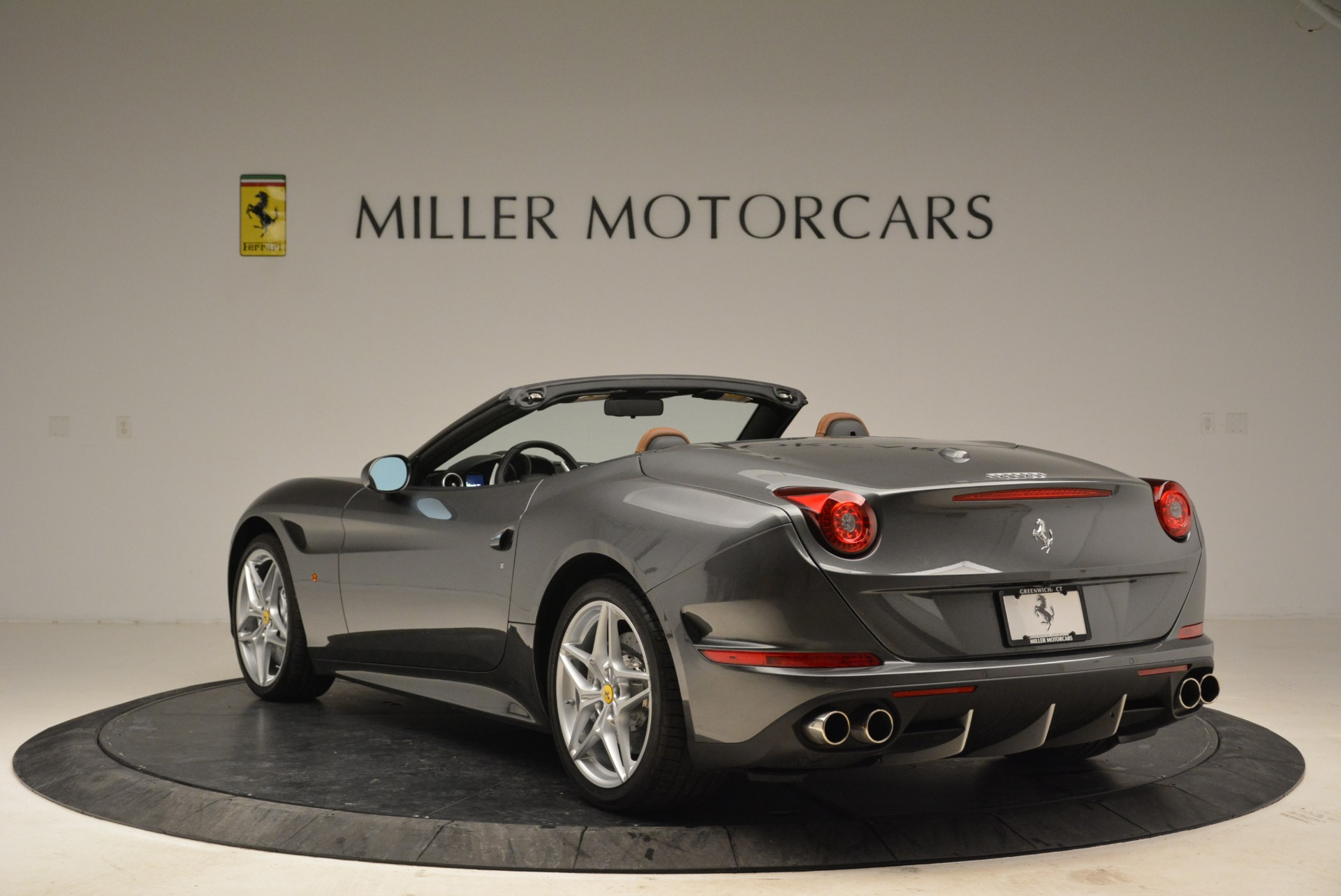 Used 2016 Ferrari California T  For Sale In Greenwich, CT 2069_p5