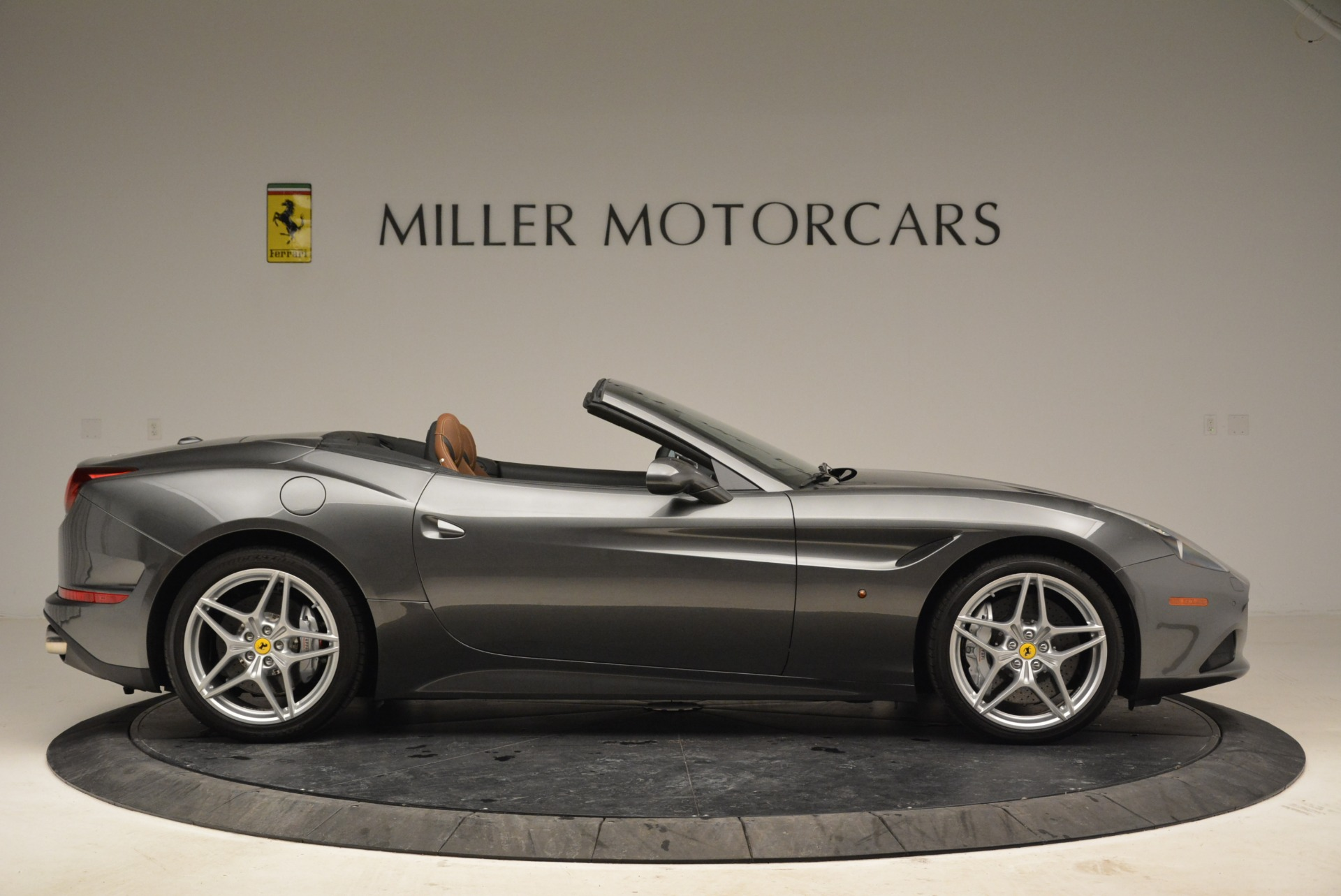 Used 2016 Ferrari California T  For Sale In Greenwich, CT 2069_p9