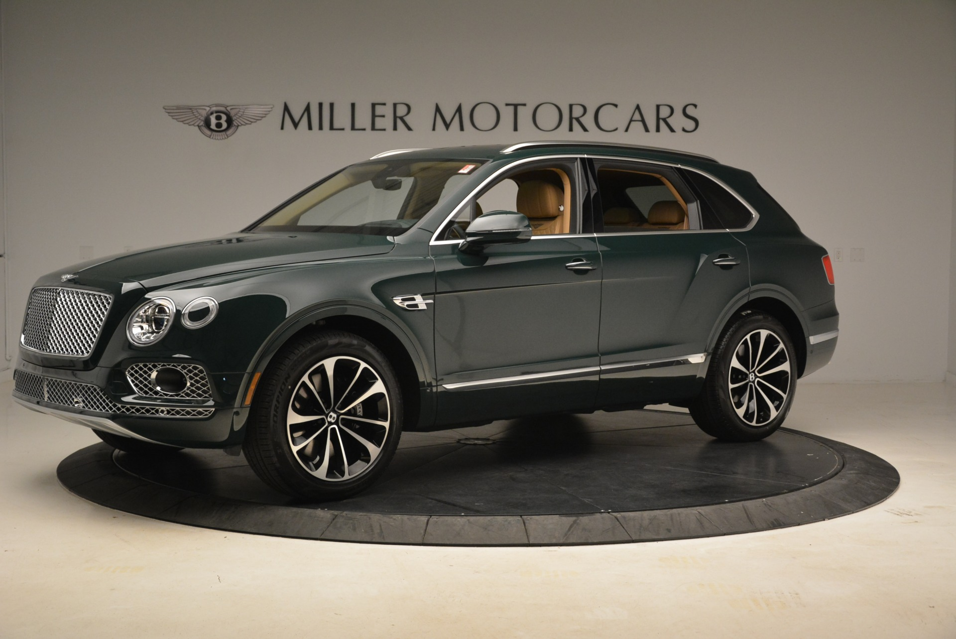 New 2018 Bentley Bentayga Signature For Sale In Greenwich, CT 2072_p2