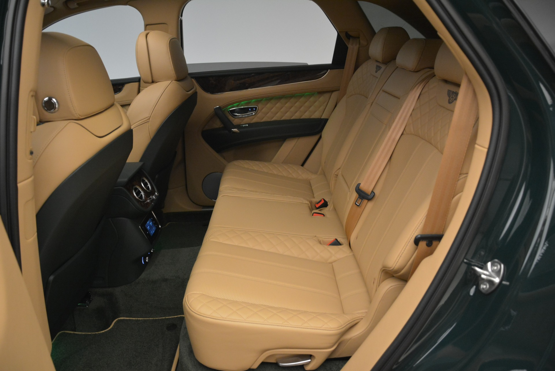New 2018 Bentley Bentayga Signature For Sale In Greenwich, CT 2072_p30