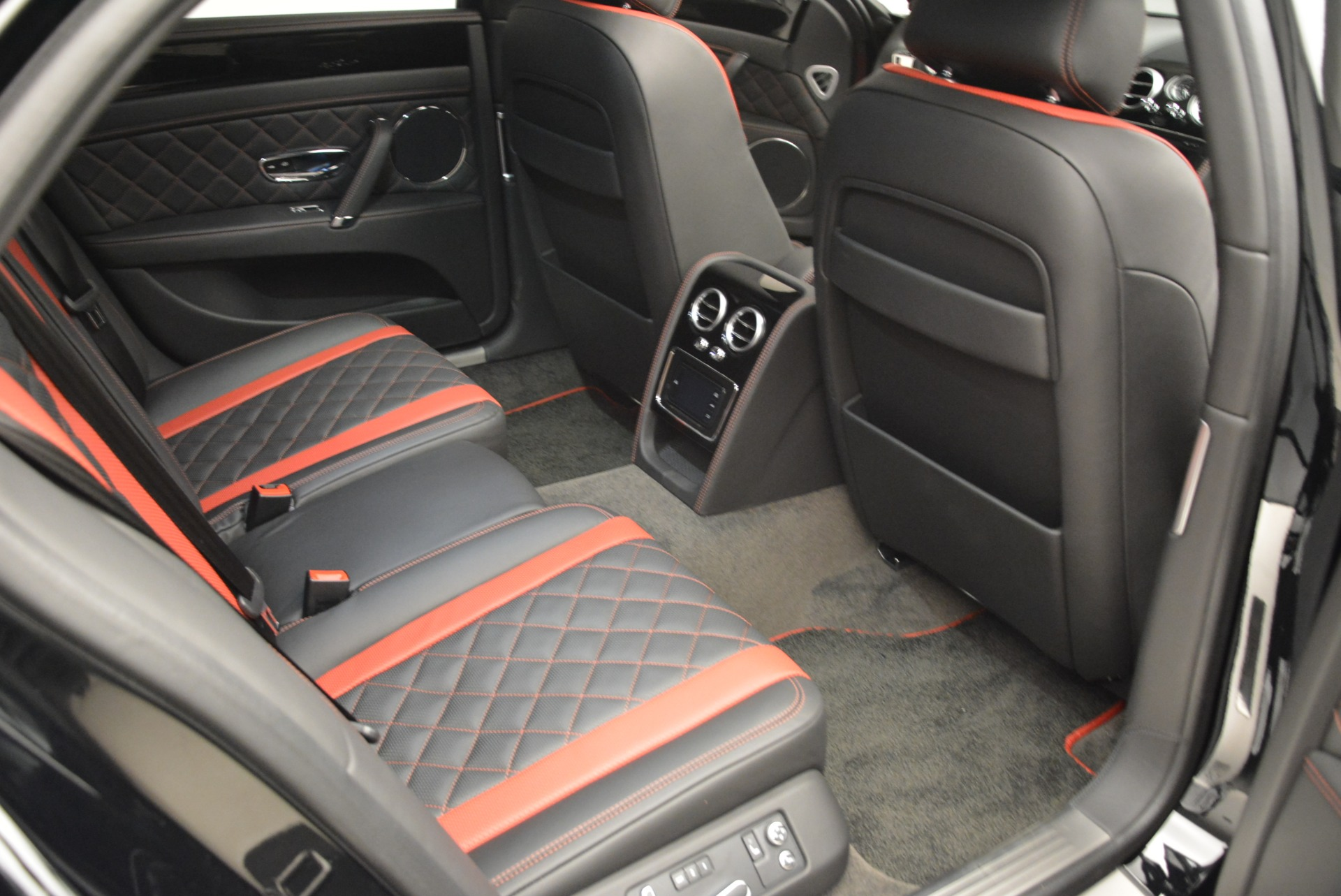New 2018 Bentley Flying Spur V8 S Black Edition For Sale In Greenwich, CT 2073_p21