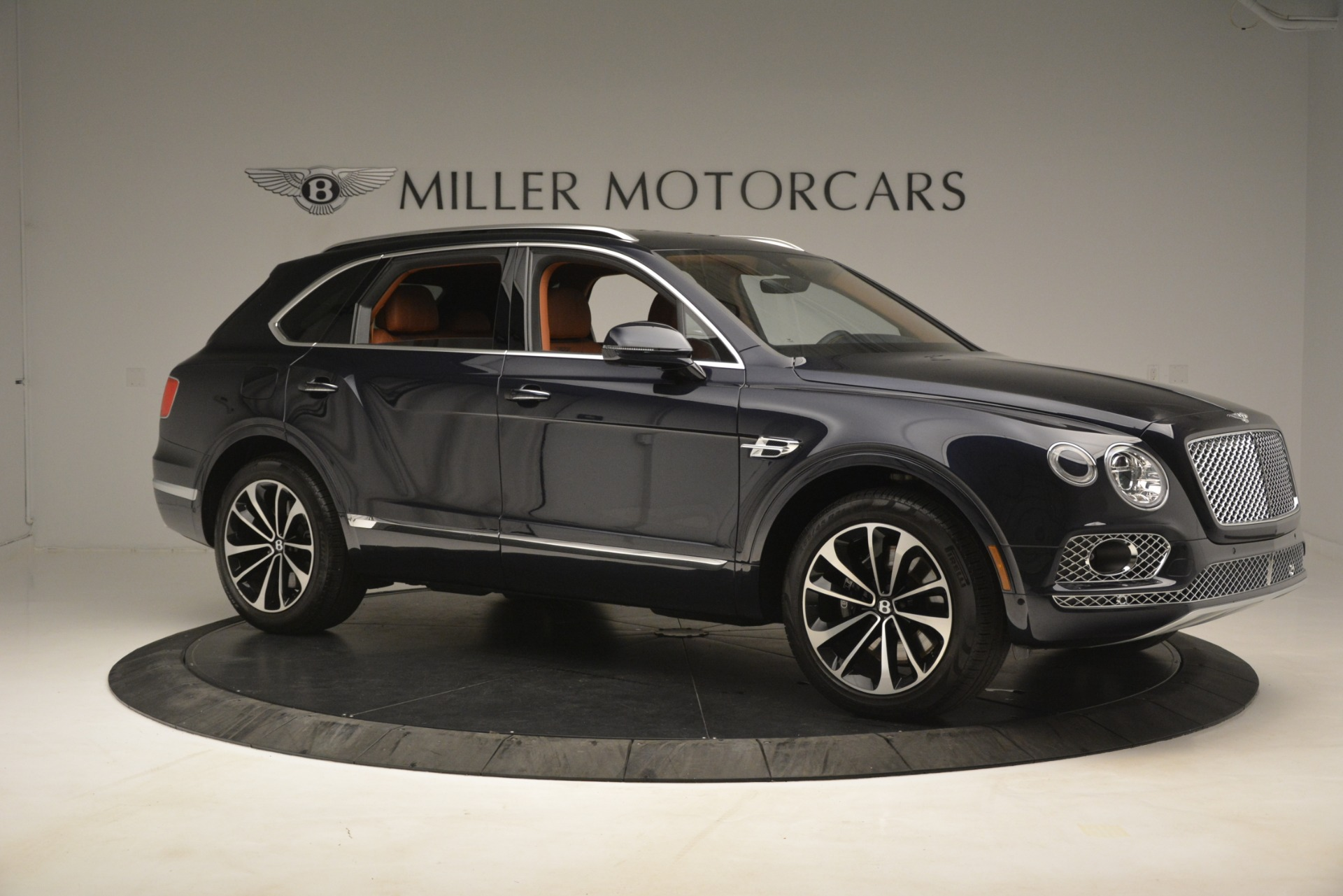 Used 2018 Bentley Bentayga Signature For Sale In Greenwich, CT 2076_p11