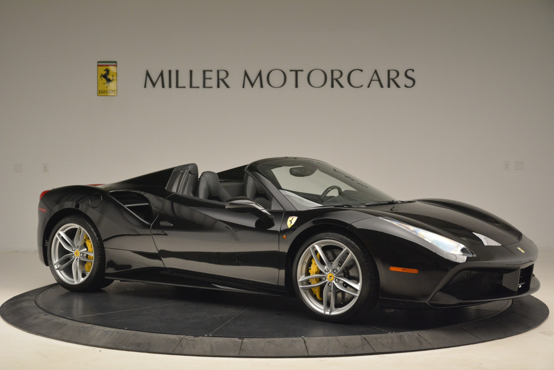 Used 2016 Ferrari 488 Spider  For Sale In Greenwich, CT 2078_p10