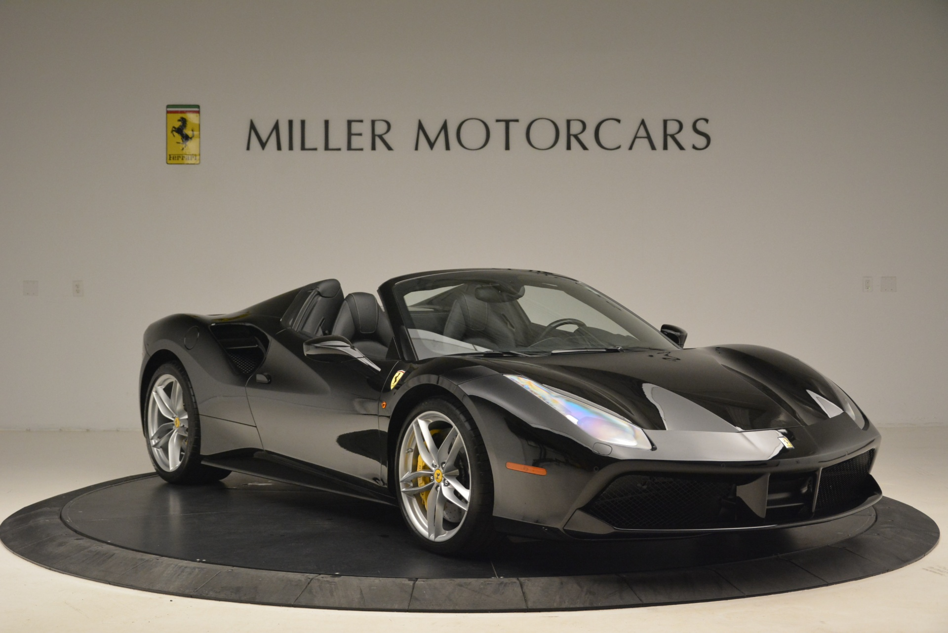 Used 2016 Ferrari 488 Spider  For Sale In Greenwich, CT 2078_p11