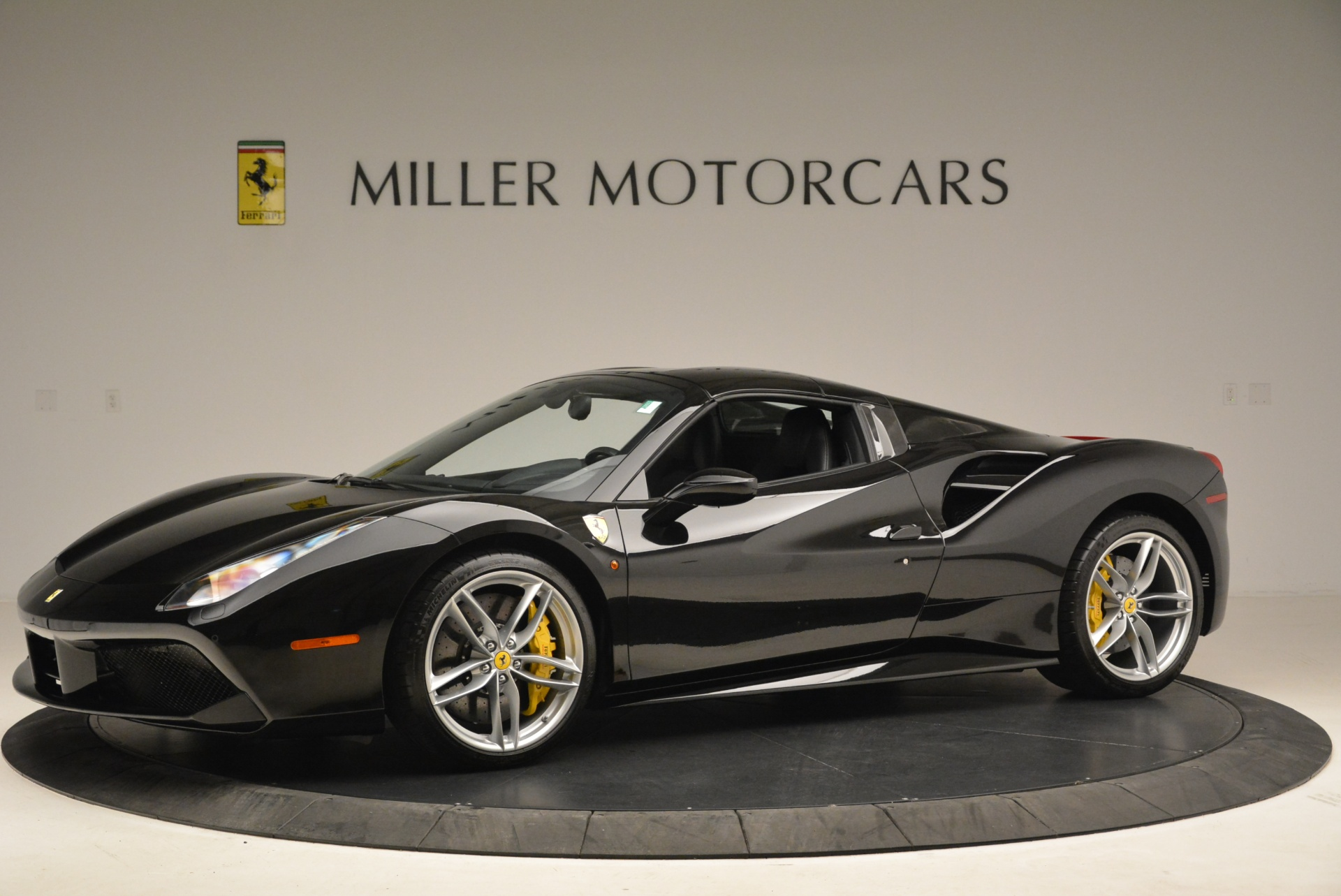 Used 2016 Ferrari 488 Spider  For Sale In Greenwich, CT 2078_p14