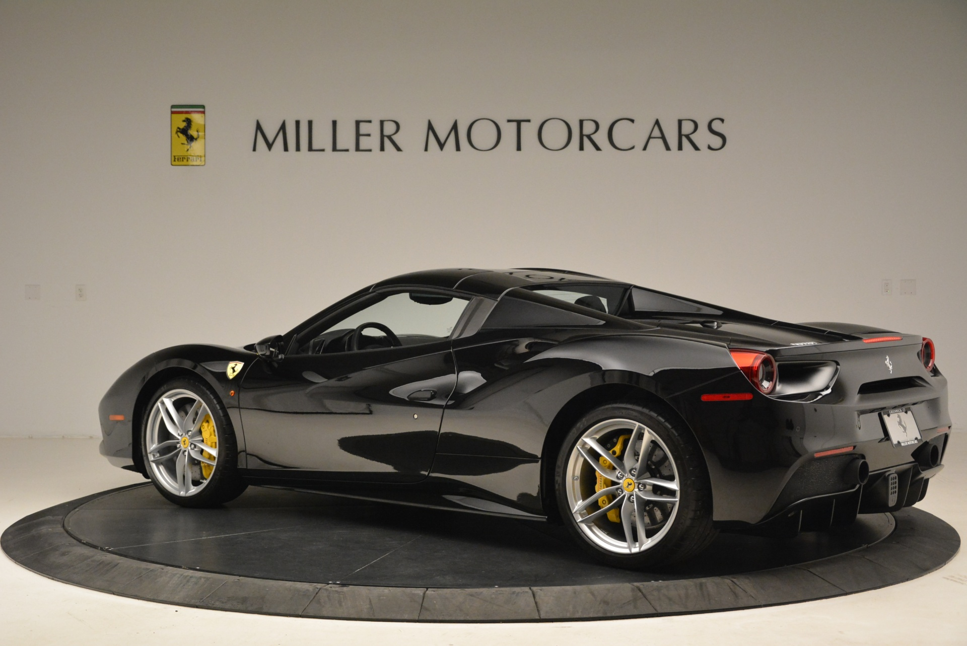 Used 2016 Ferrari 488 Spider  For Sale In Greenwich, CT 2078_p16