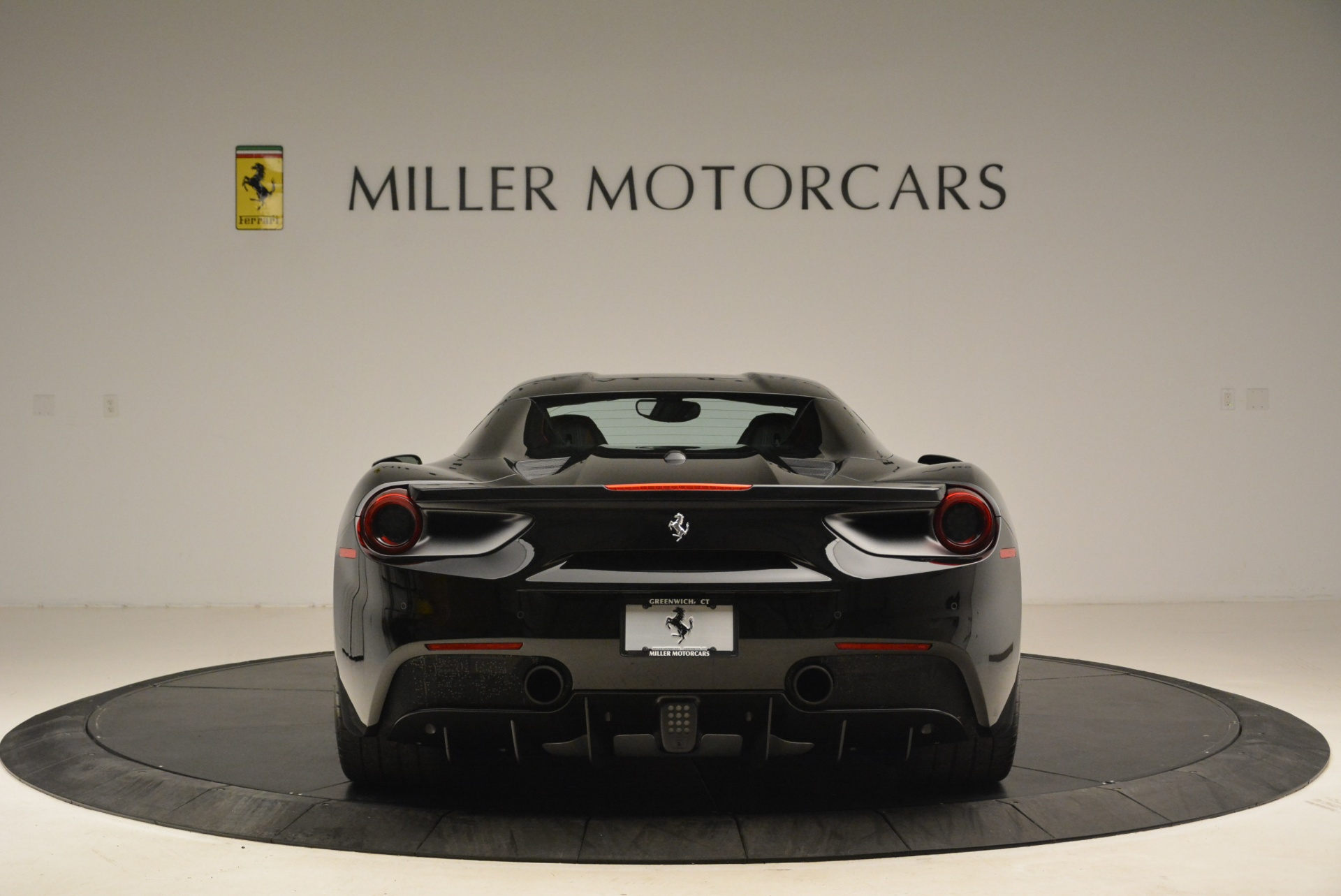 Used 2016 Ferrari 488 Spider  For Sale In Greenwich, CT 2078_p18