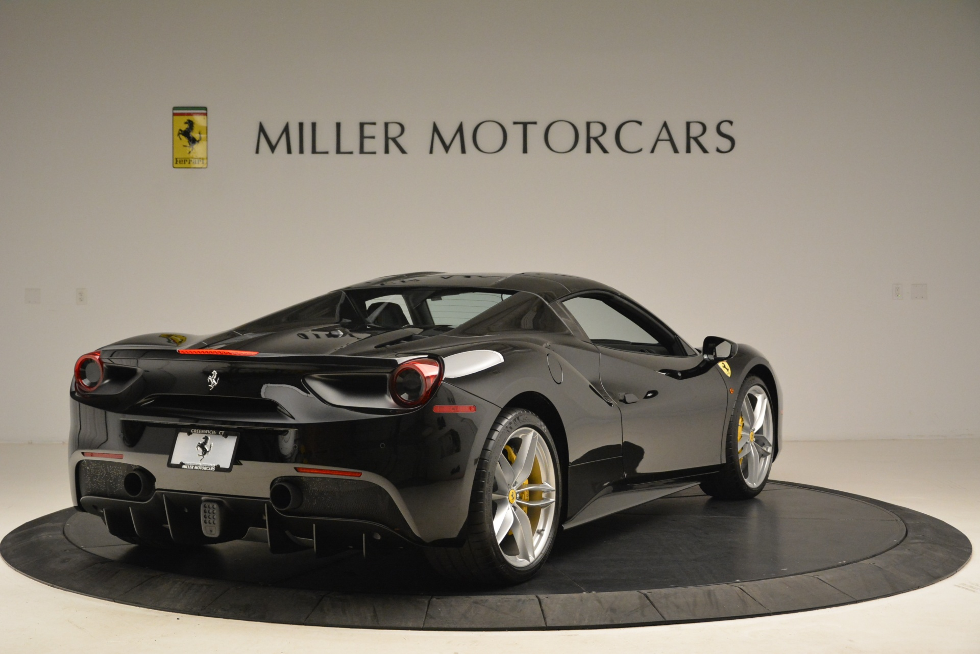 Used 2016 Ferrari 488 Spider  For Sale In Greenwich, CT 2078_p19