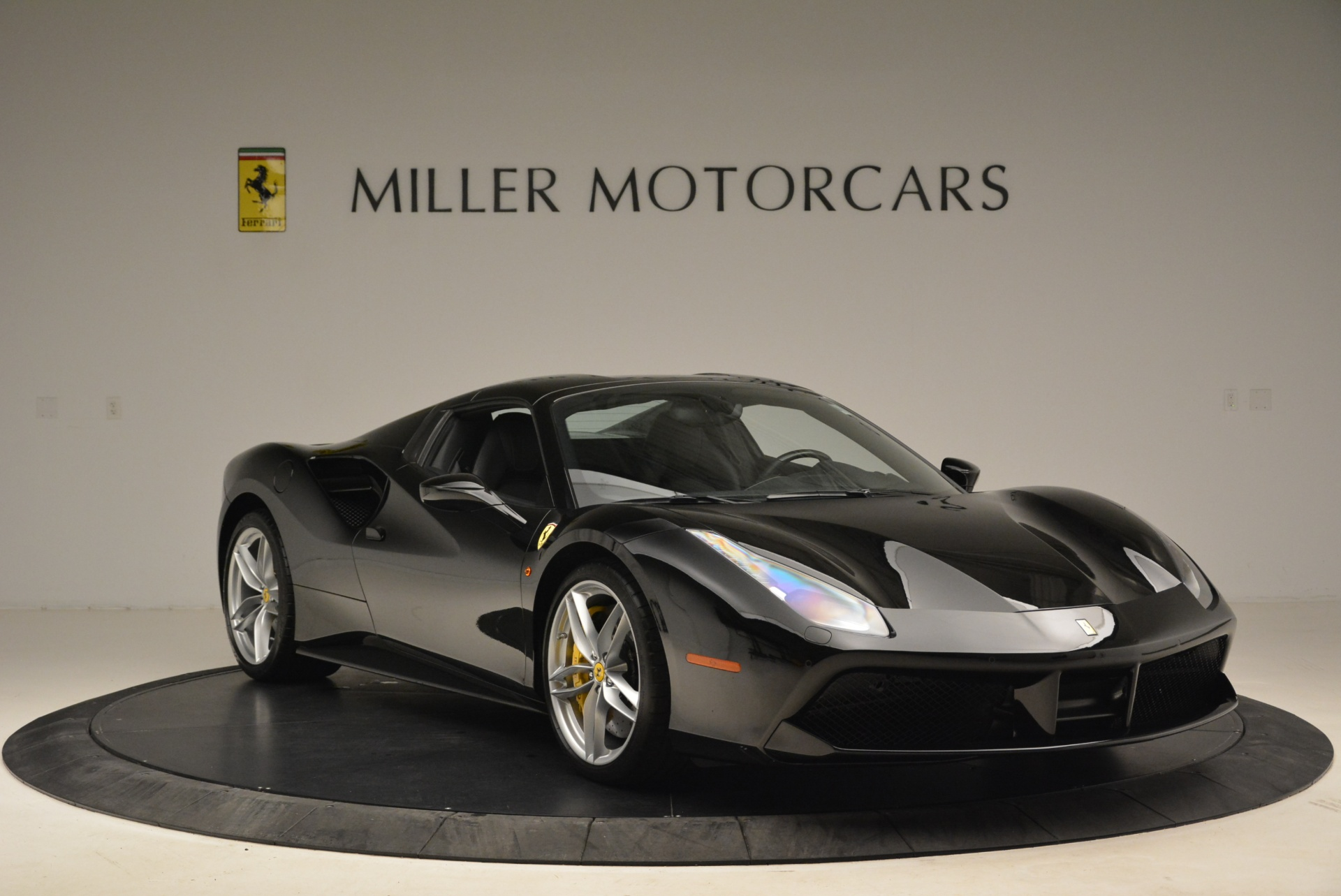 Used 2016 Ferrari 488 Spider  For Sale In Greenwich, CT 2078_p23