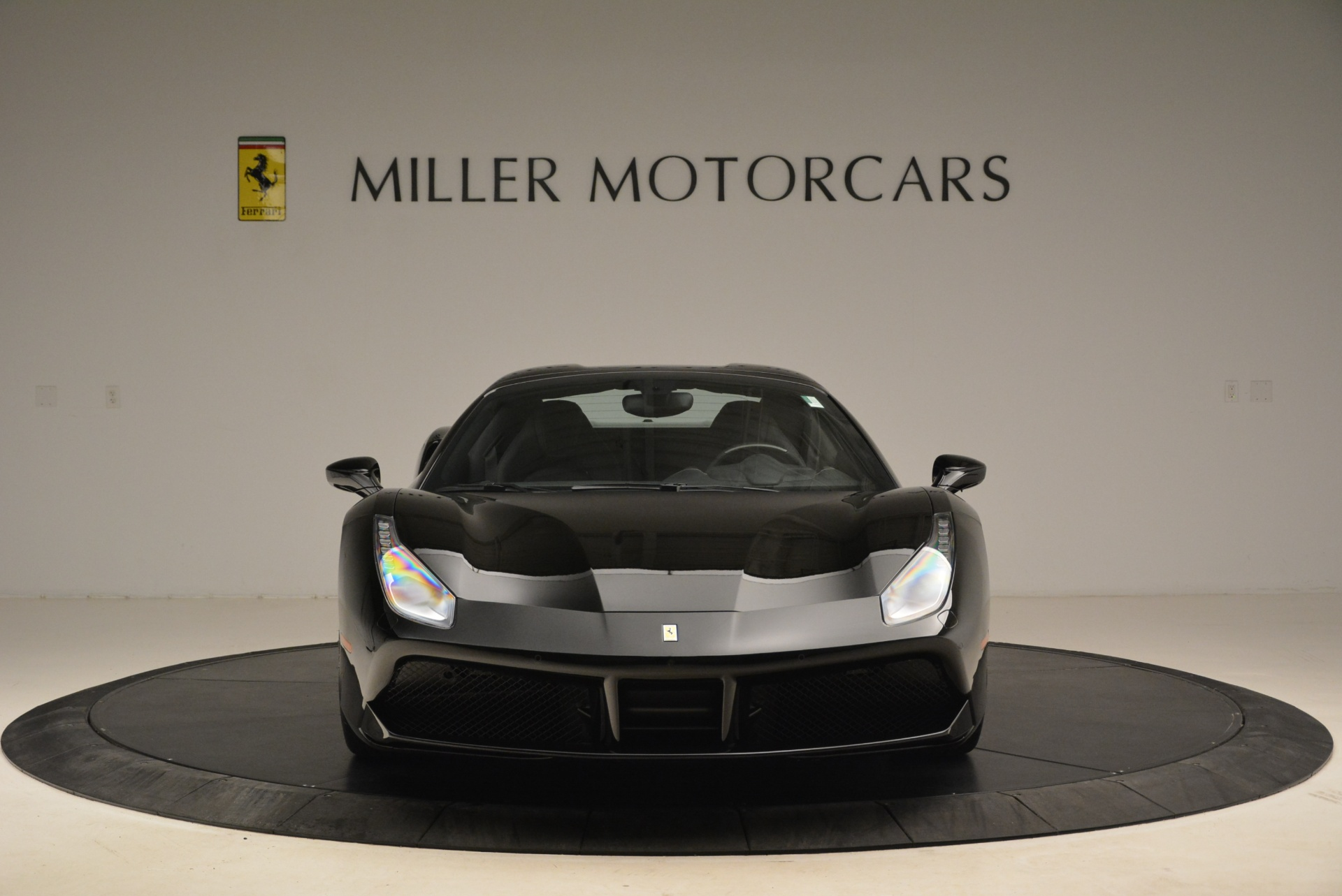 Used 2016 Ferrari 488 Spider  For Sale In Greenwich, CT 2078_p24
