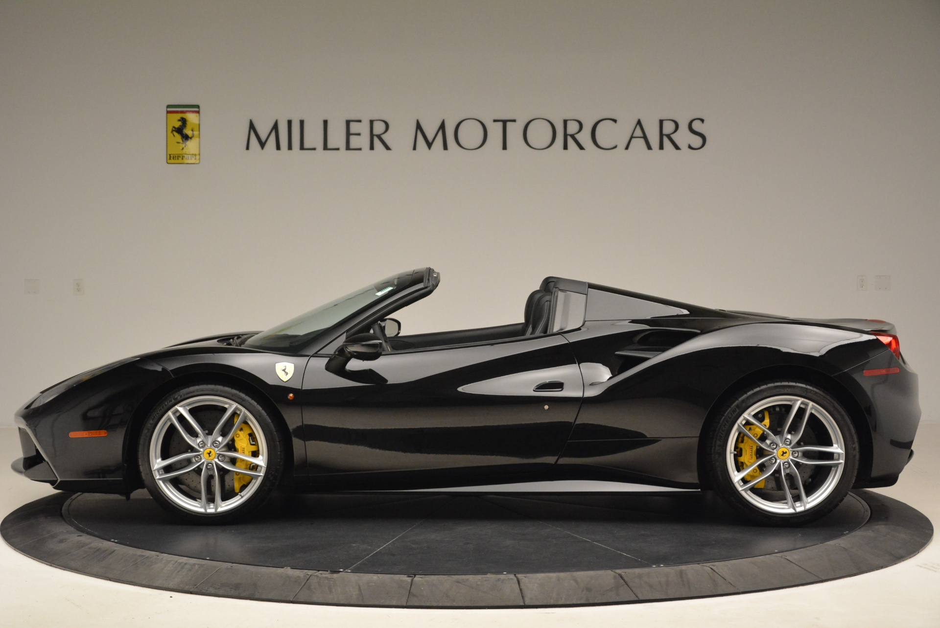 Used 2016 Ferrari 488 Spider  For Sale In Greenwich, CT 2078_p3