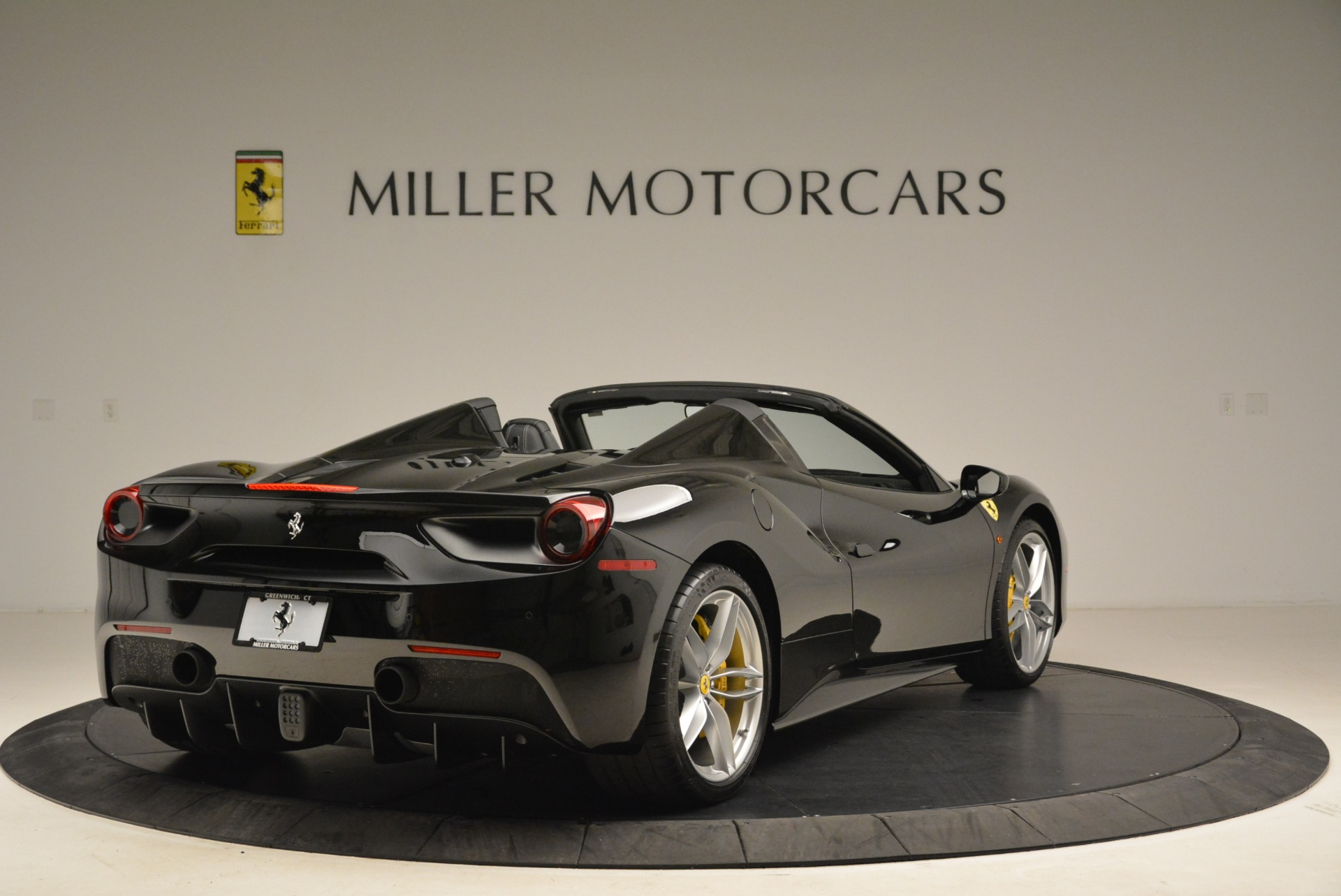 Used 2016 Ferrari 488 Spider  For Sale In Greenwich, CT 2078_p7