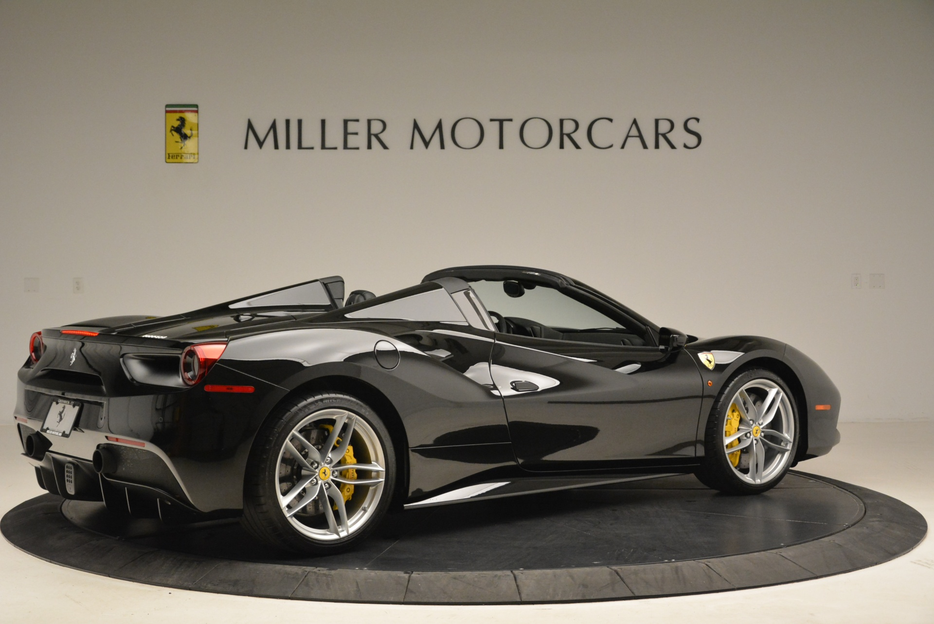 Used 2016 Ferrari 488 Spider  For Sale In Greenwich, CT 2078_p8