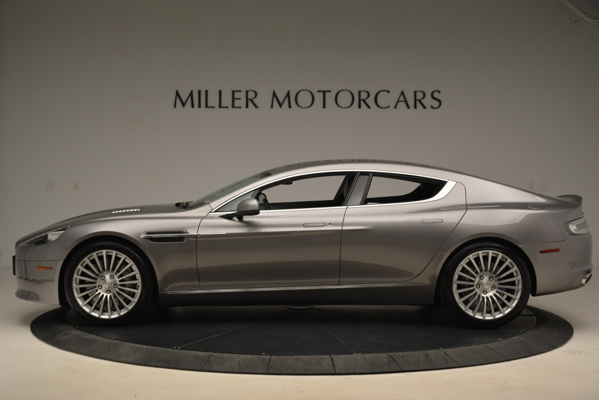 Used 2014 Aston Martin Rapide S  For Sale In Greenwich, CT 2079_p3