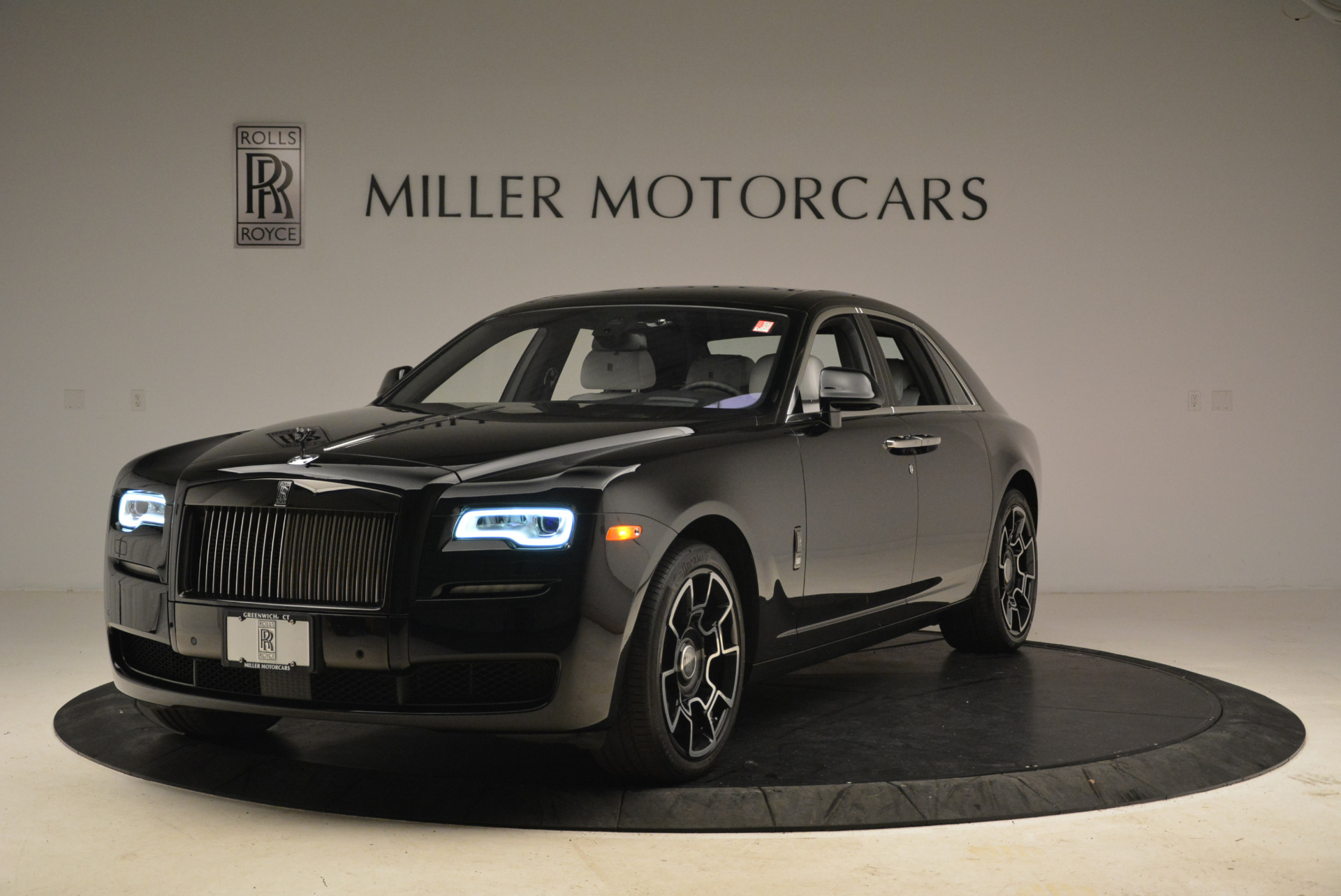 Used 2017 Rolls-Royce Ghost Black Badge For Sale In Greenwich, CT 2093_main
