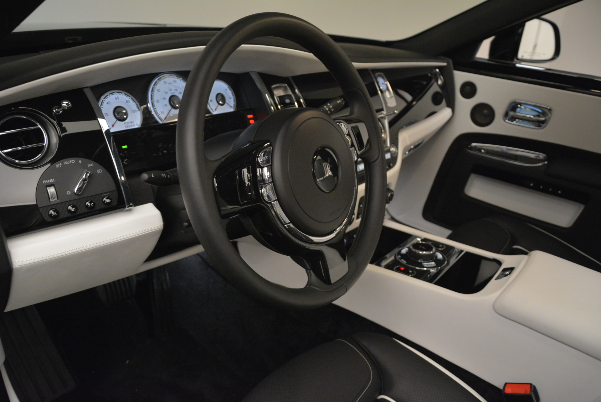 Used 2017 Rolls-Royce Ghost Black Badge For Sale In Greenwich, CT 2093_p18