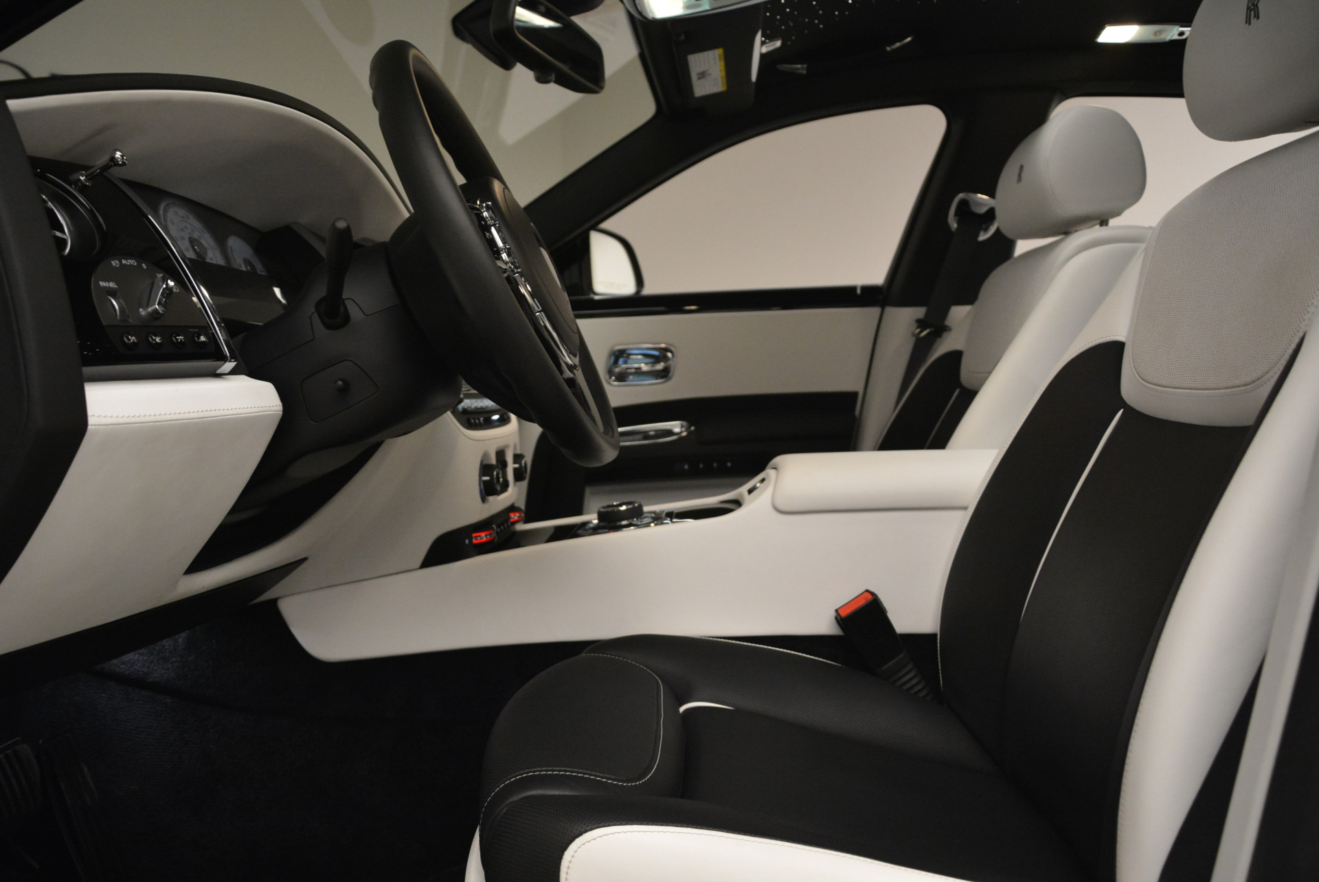 Used 2017 Rolls-Royce Ghost Black Badge For Sale In Greenwich, CT 2093_p19