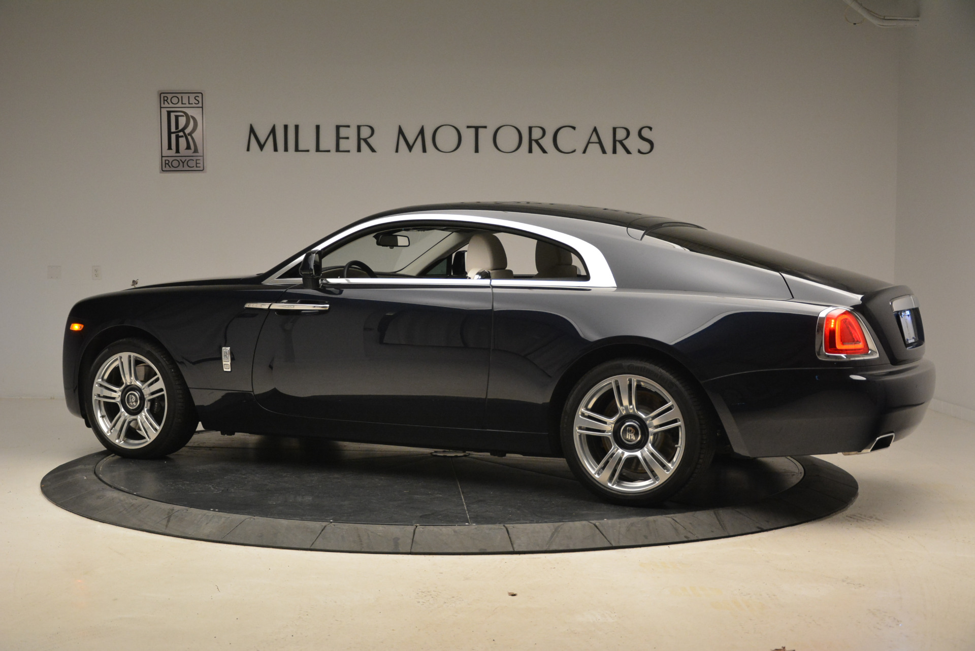 Used 2015 Rolls-Royce Wraith  For Sale In Greenwich, CT 2099_p4